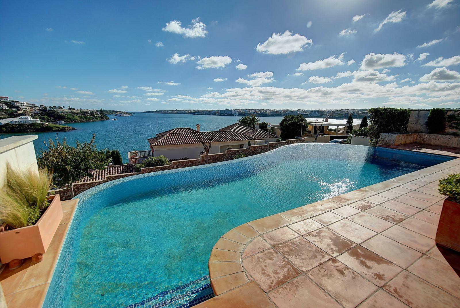 Villa in Cala Llonga Ref: H2514 4