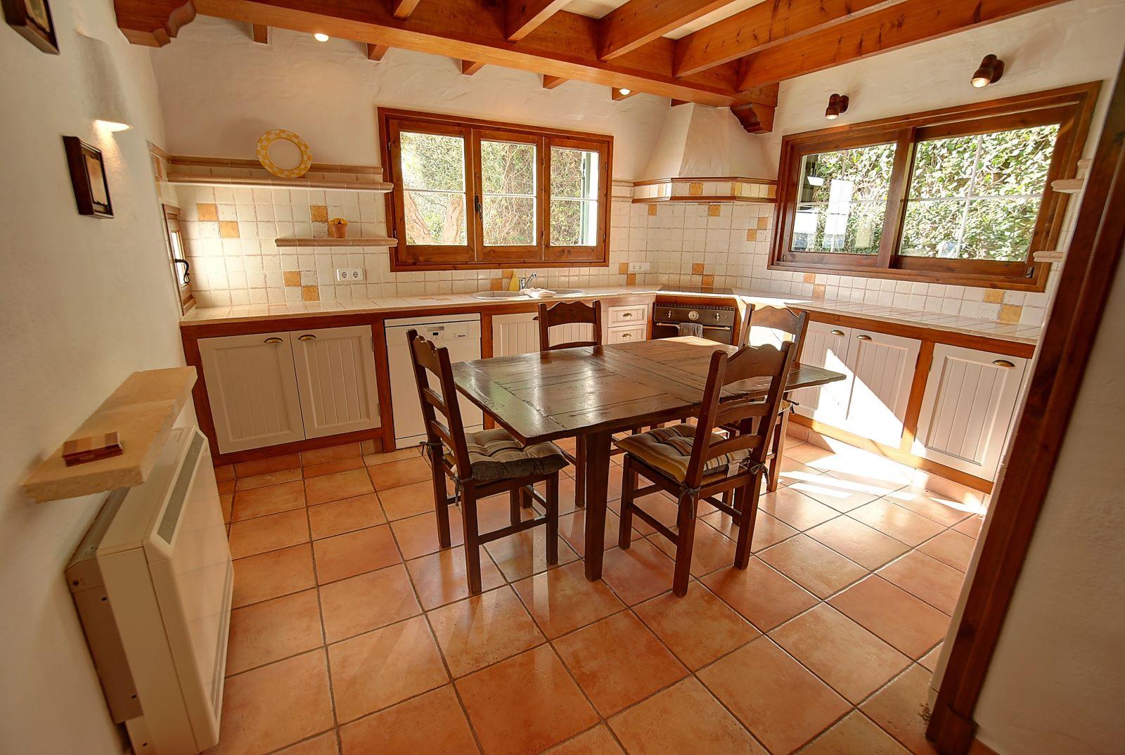 Villa in Cala Llonga Ref: H2514 12