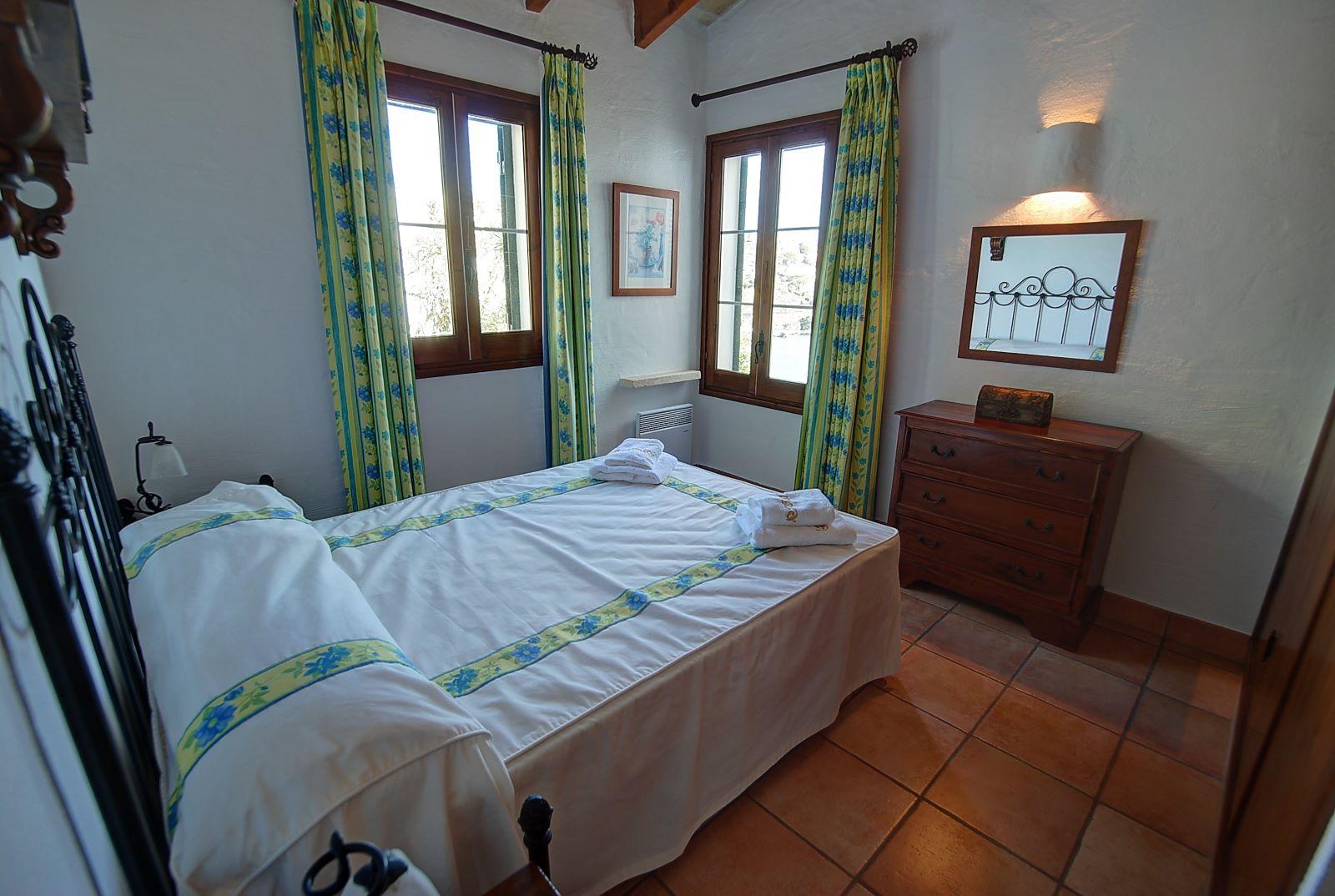 Villa in Cala Llonga Ref: H2514 21