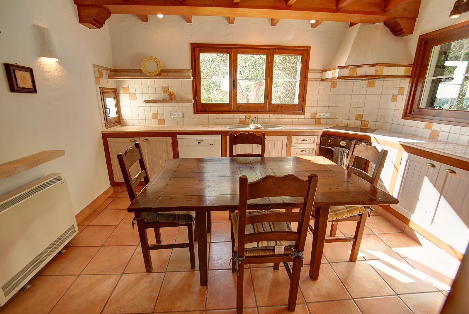 Villa in Cala Llonga Ref: H2514 10