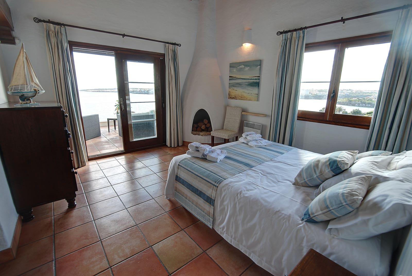 Villa in Cala Llonga Ref: H2514 16