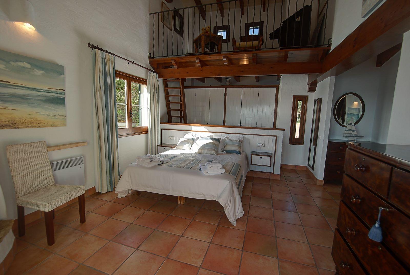 Villa in Cala Llonga Ref: H2514 15