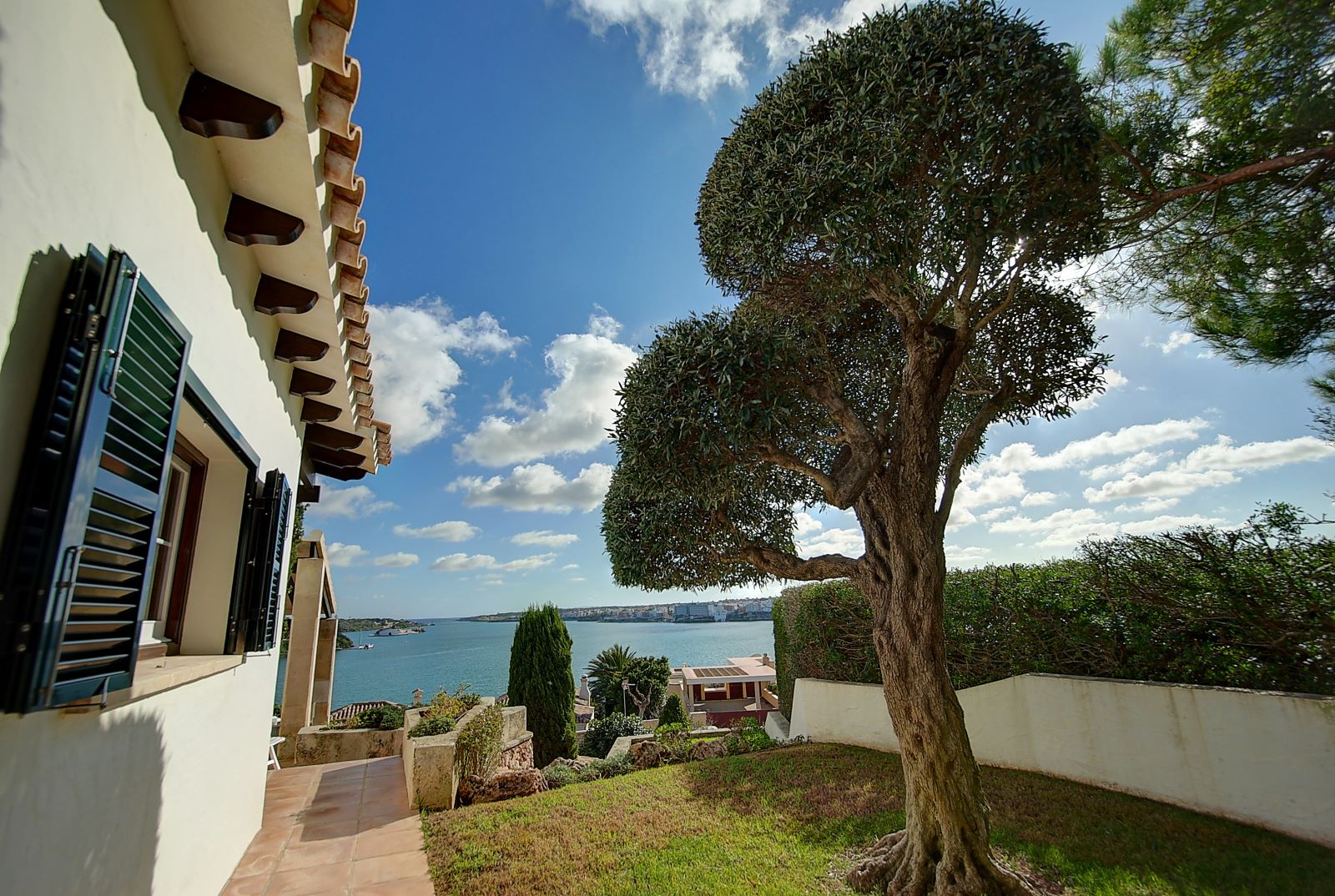 Villa in Cala Llonga Ref: H2514 28