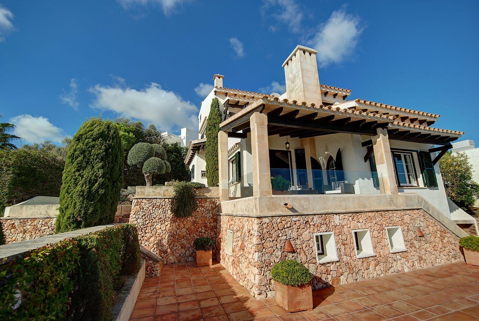 Villa in Cala Llonga Ref: H2514 29