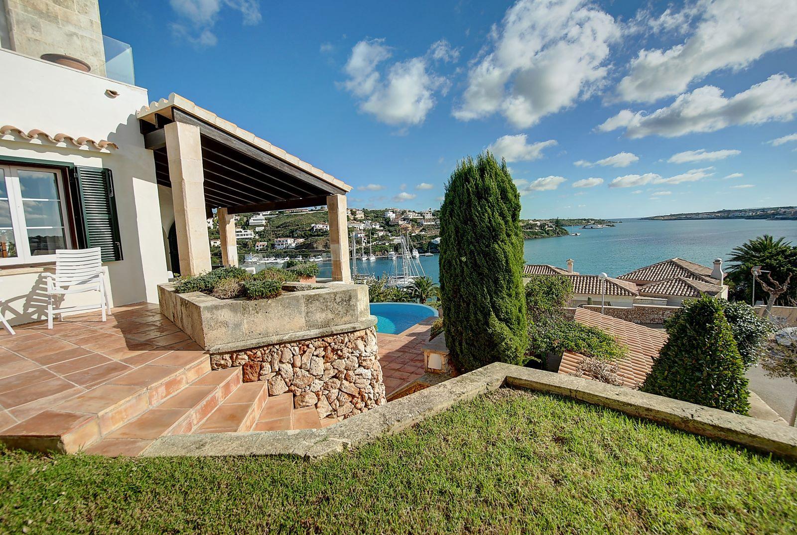 Villa in Cala Llonga Ref: H2514 31