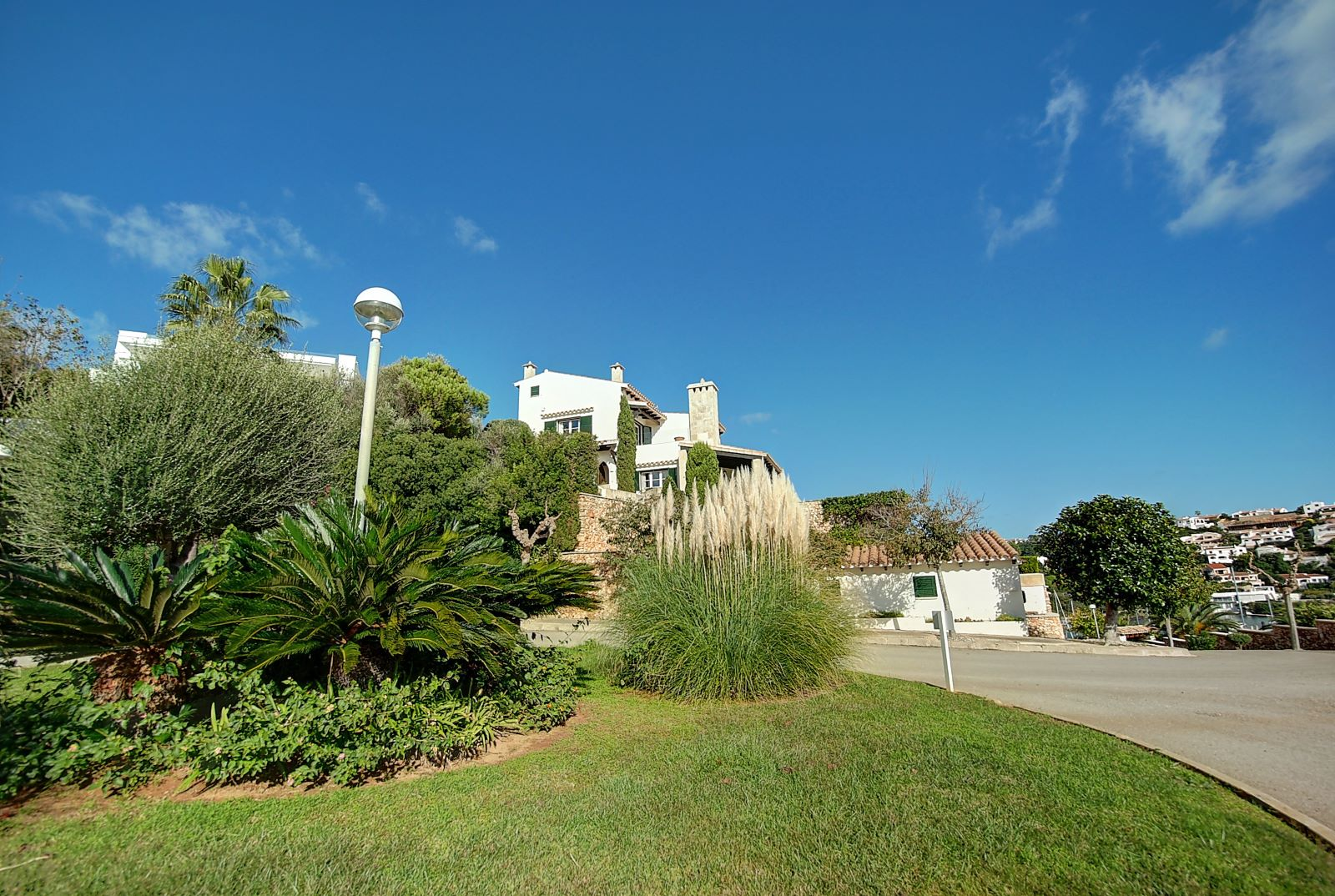 Villa in Cala Llonga Ref: H2514 32