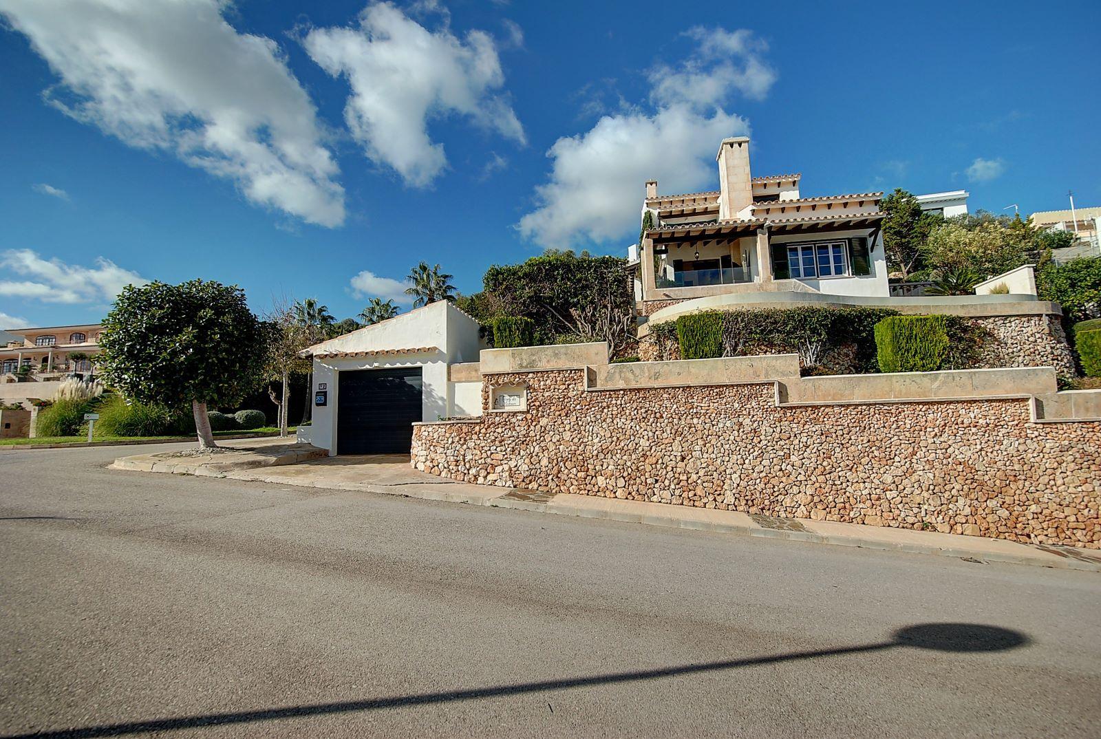 Villa in Cala Llonga Ref: H2514 27