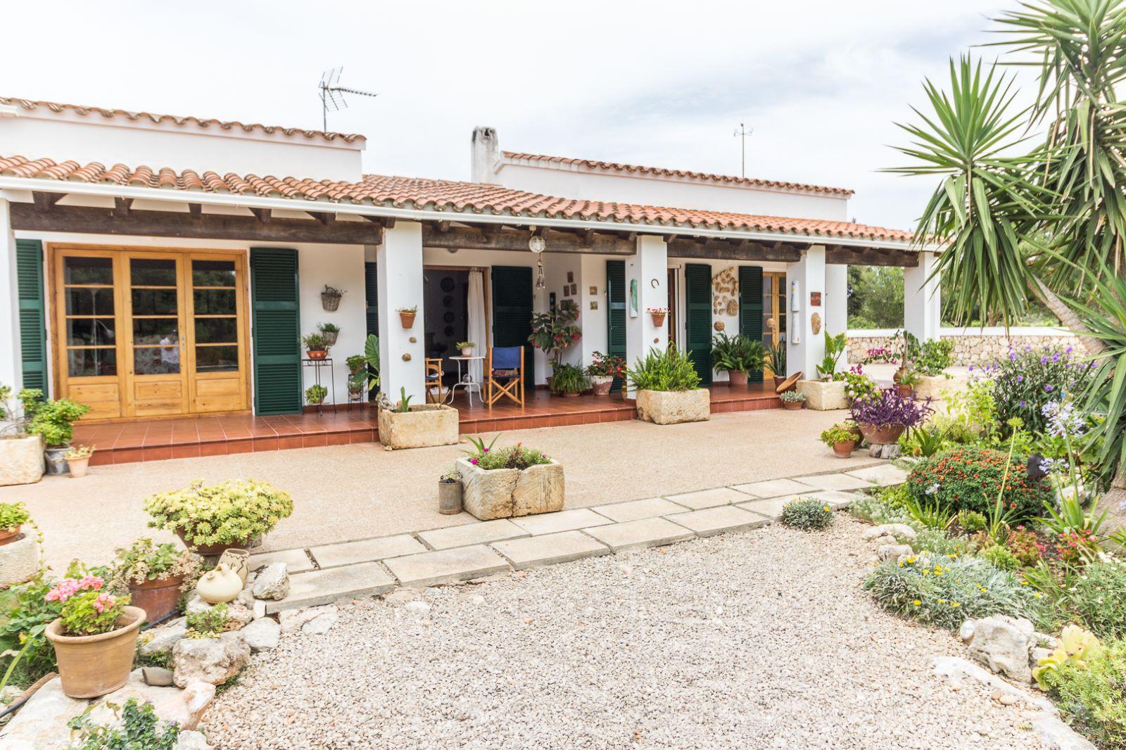 Country house in Cala Galdana Ref: C06 4