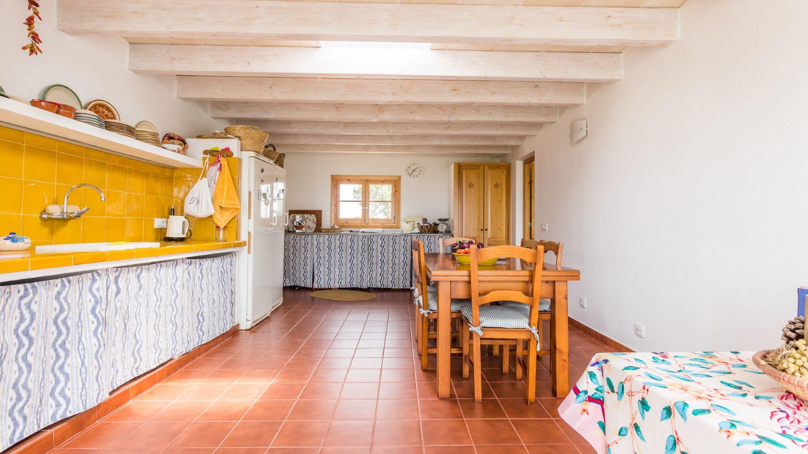 Country house in Cala Galdana Ref: C06 12