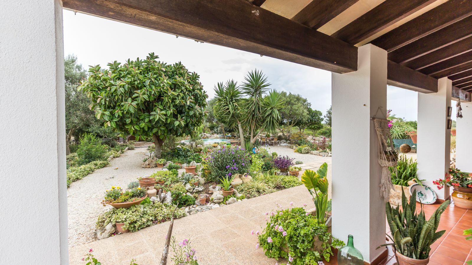 Country house in Cala Galdana Ref: C06 22