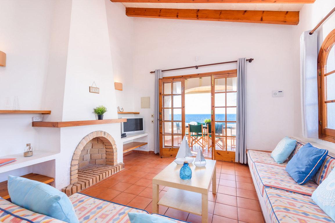 Villa in Cap D'Artruitx Ref: C15 6