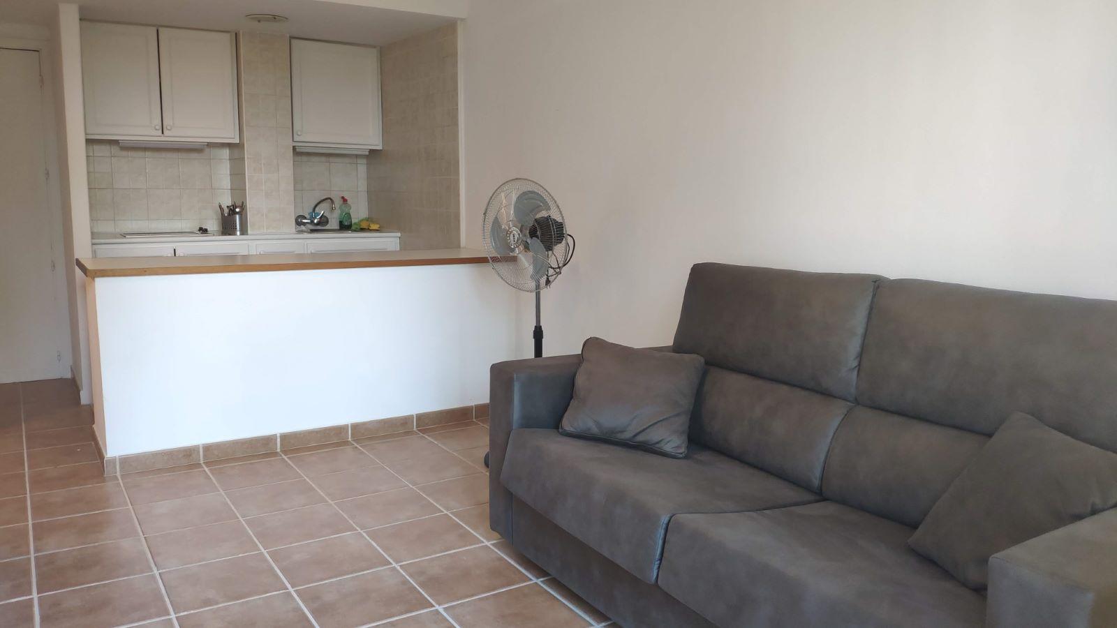 Apartment in Cala Blanca Ref: C88 3