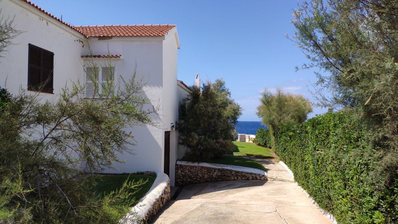 Villa in Cala Blanca Ref: C94 5