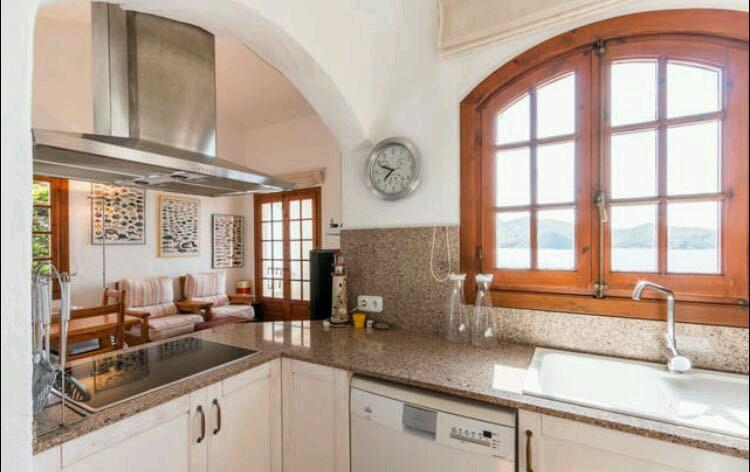 Apartment in Playas de Fornells Ref: T1084 3