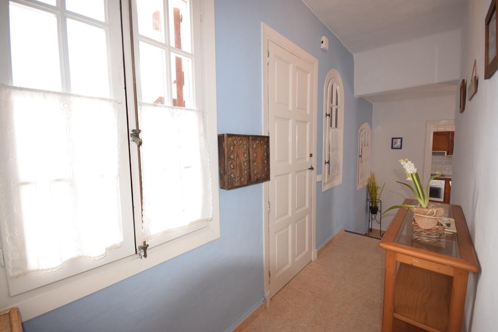Apartment in Playas de Fornells Ref: T1080 4