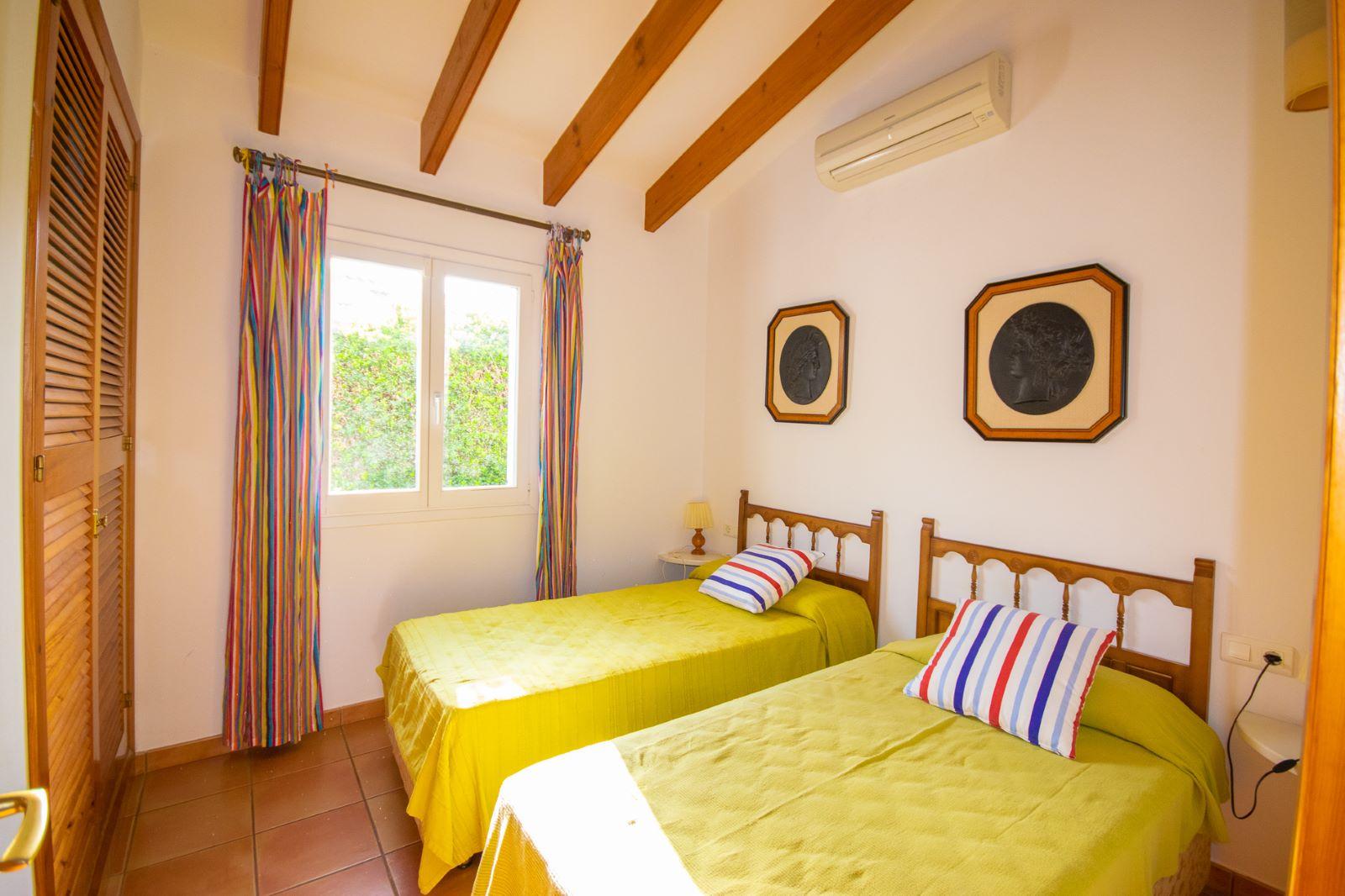Villa in Cala'n Porter Ref: T1168 5