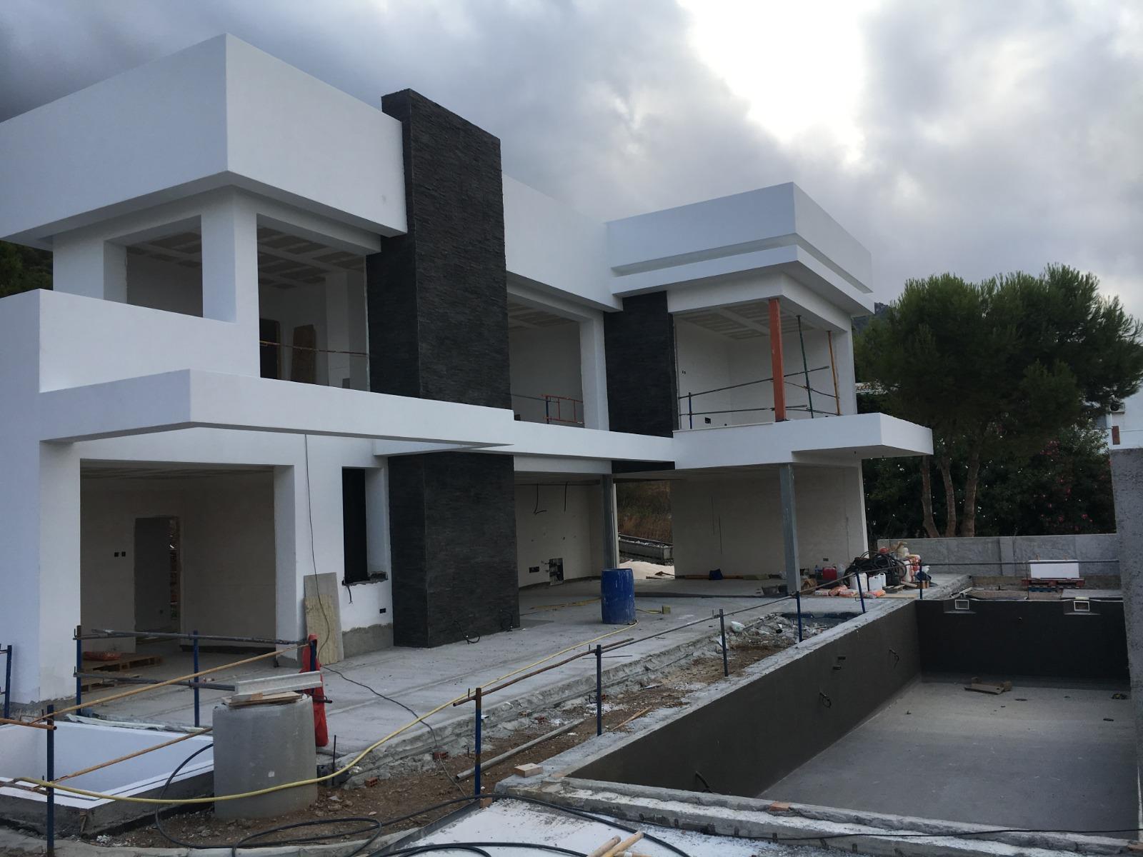 Villa A Tre Piani inizio