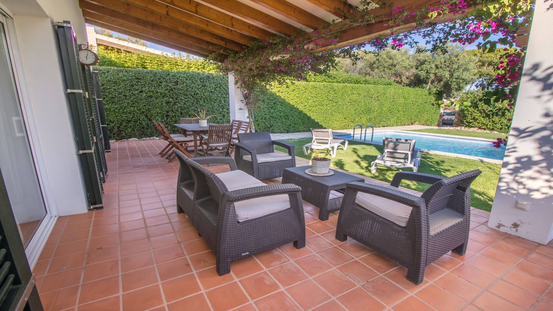 Villa for sale with covered terrace and touristic licence in Biniancolla