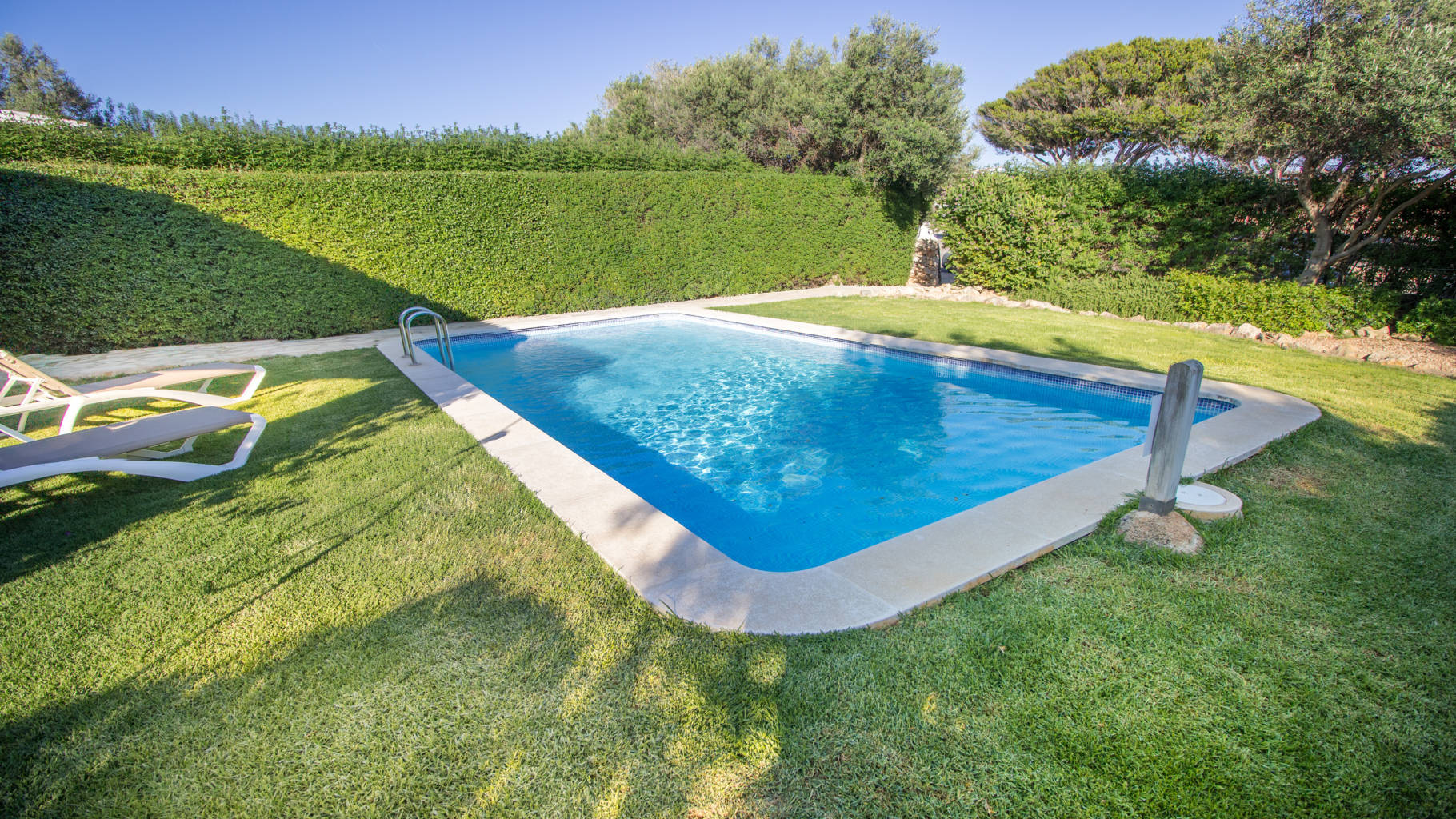 House for sale with pool and garden in Biniancolla