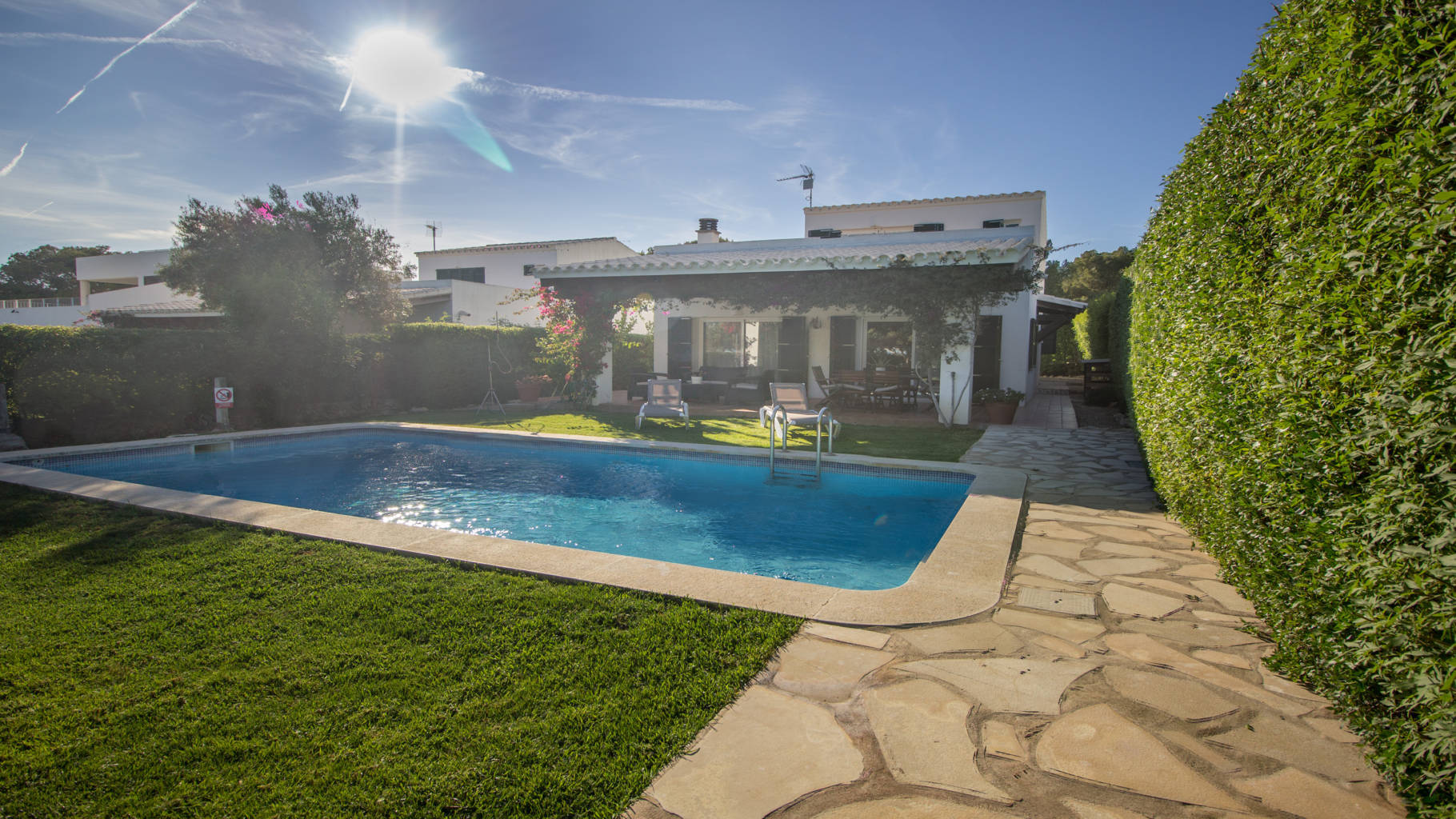 Villa for sale with pool and garden in Menorca