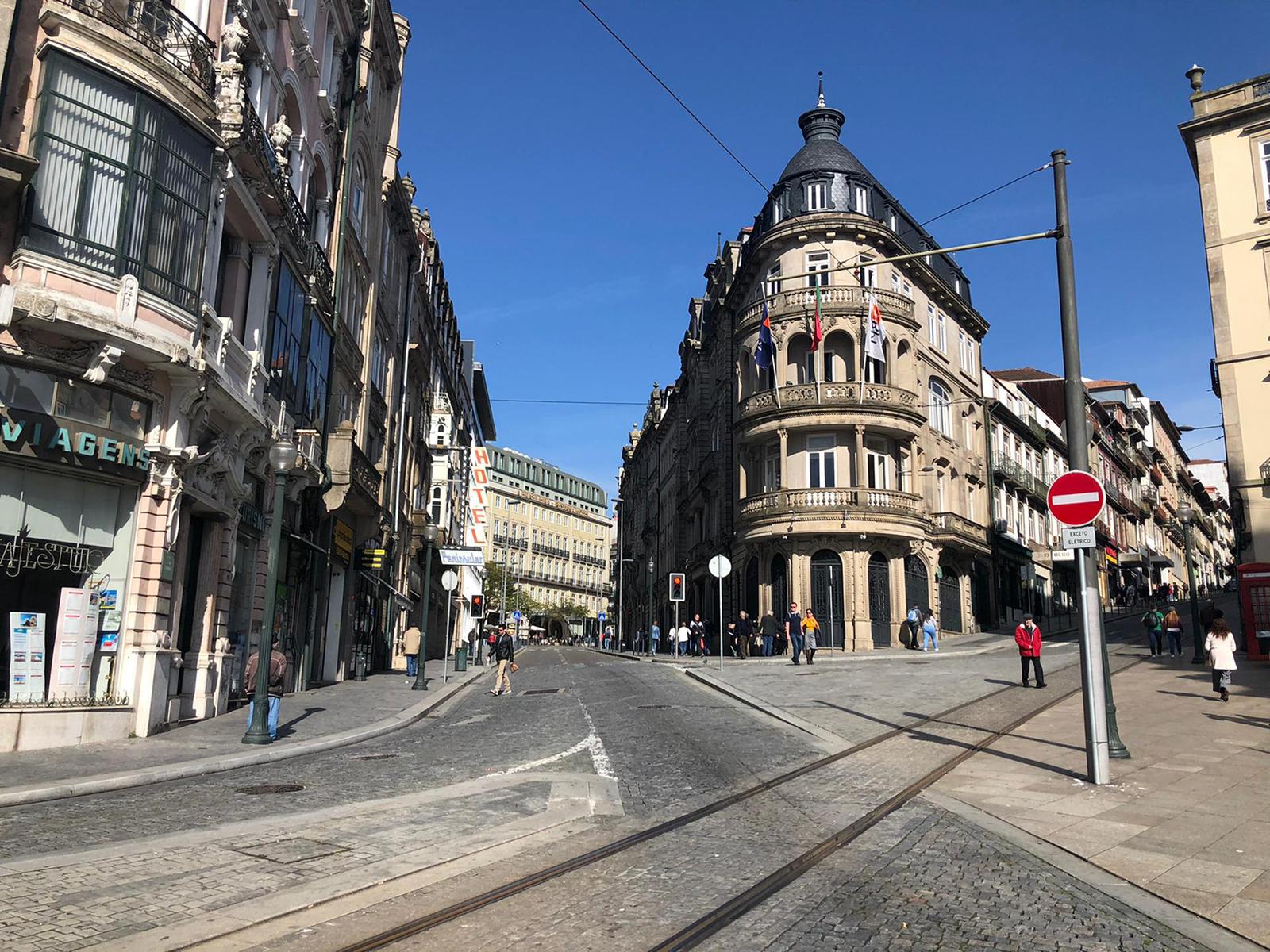 Building near Santa Catarina and Praça do Marquês