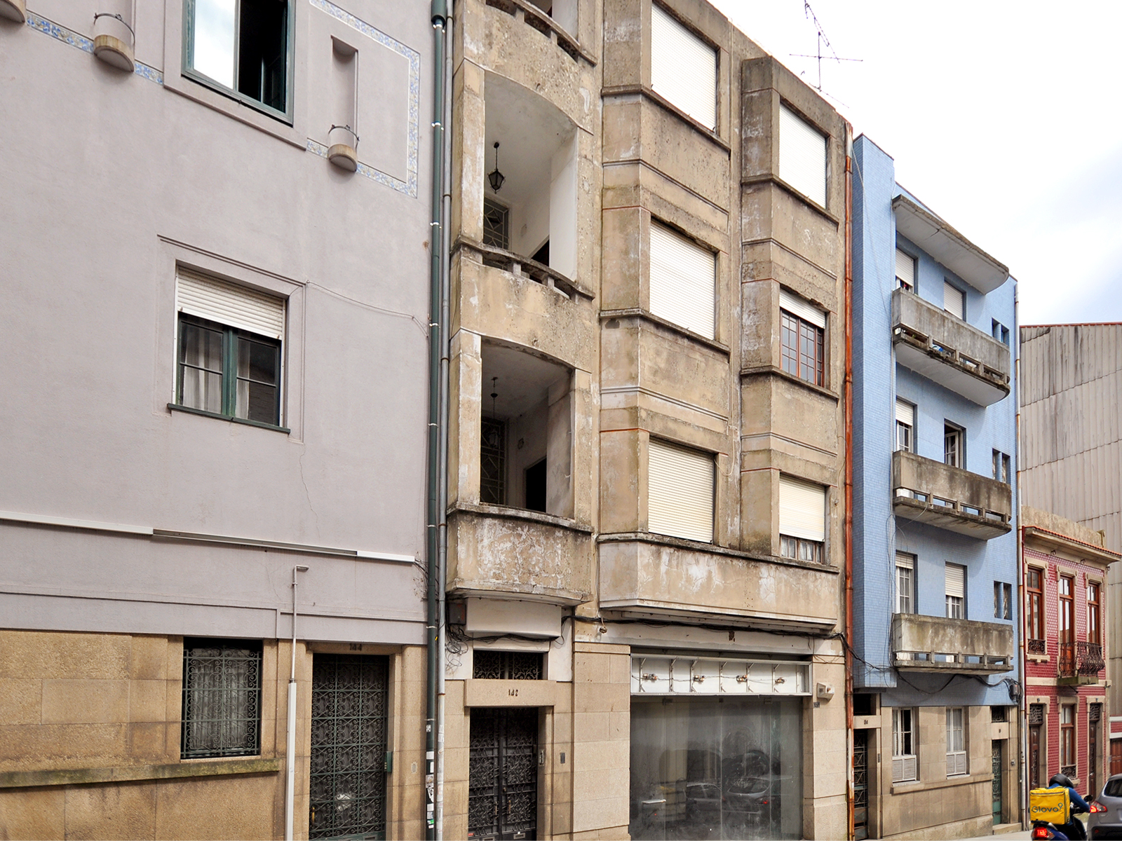 Building to Campo 24 August – Porto