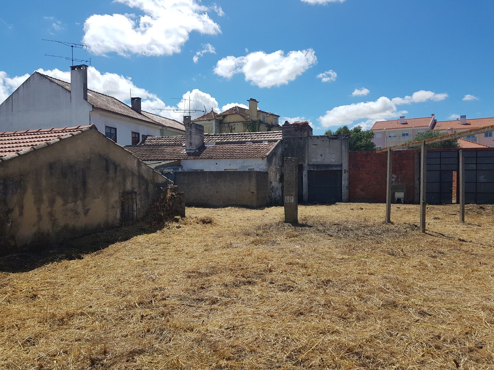 Buildings for sale located in Loures