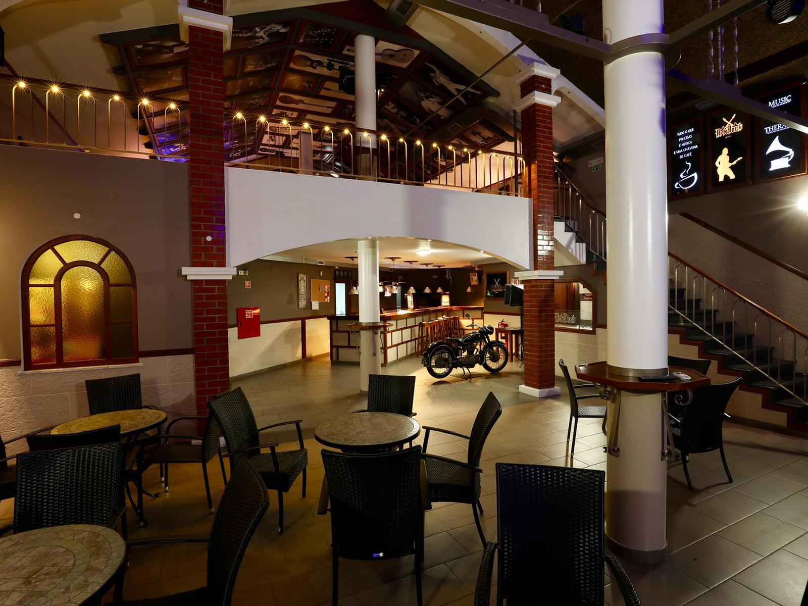 Snack Bar Shopping Area