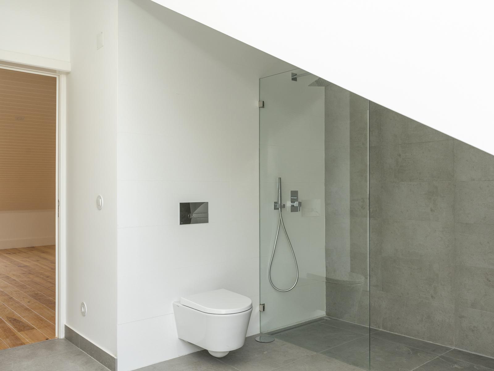 למכירה דירה דופלקס משופצת 3 חדרים+מרפסת בגראסה