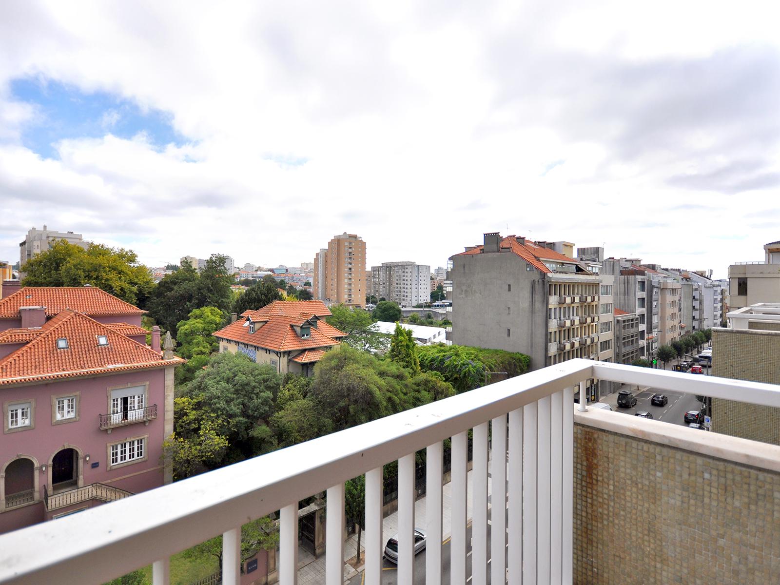 Apartment T5 next to the Rotunda da Boavista