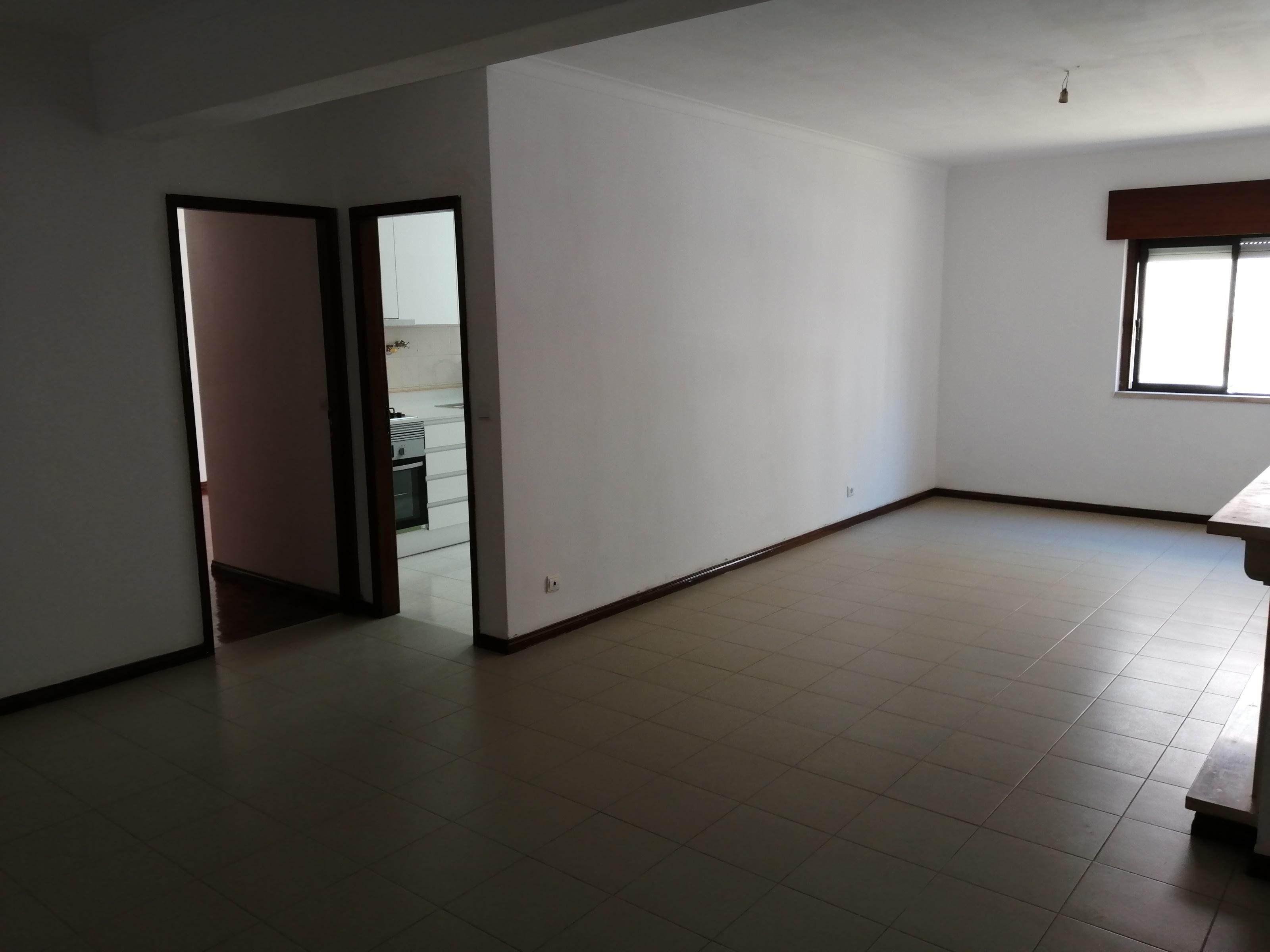 למכירה- דירת 4 חדרים, מטרופולין ליסבון