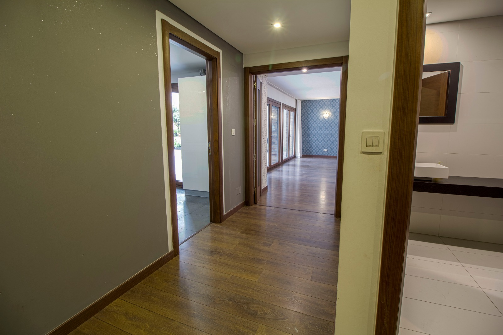 3 bedroom apartment with patio
