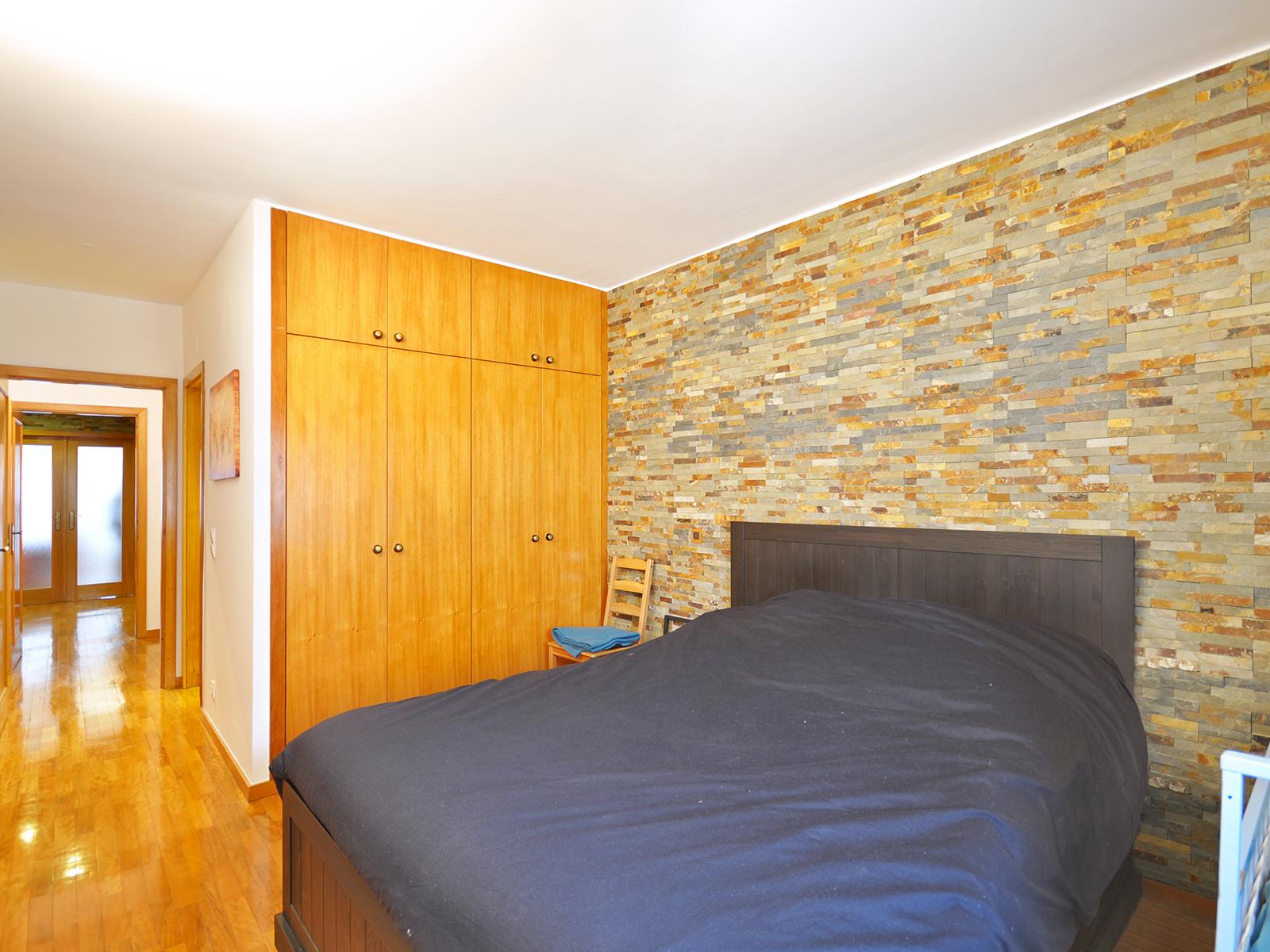 2 bedroom apartment next to the Jardim d'Arca d'Água
