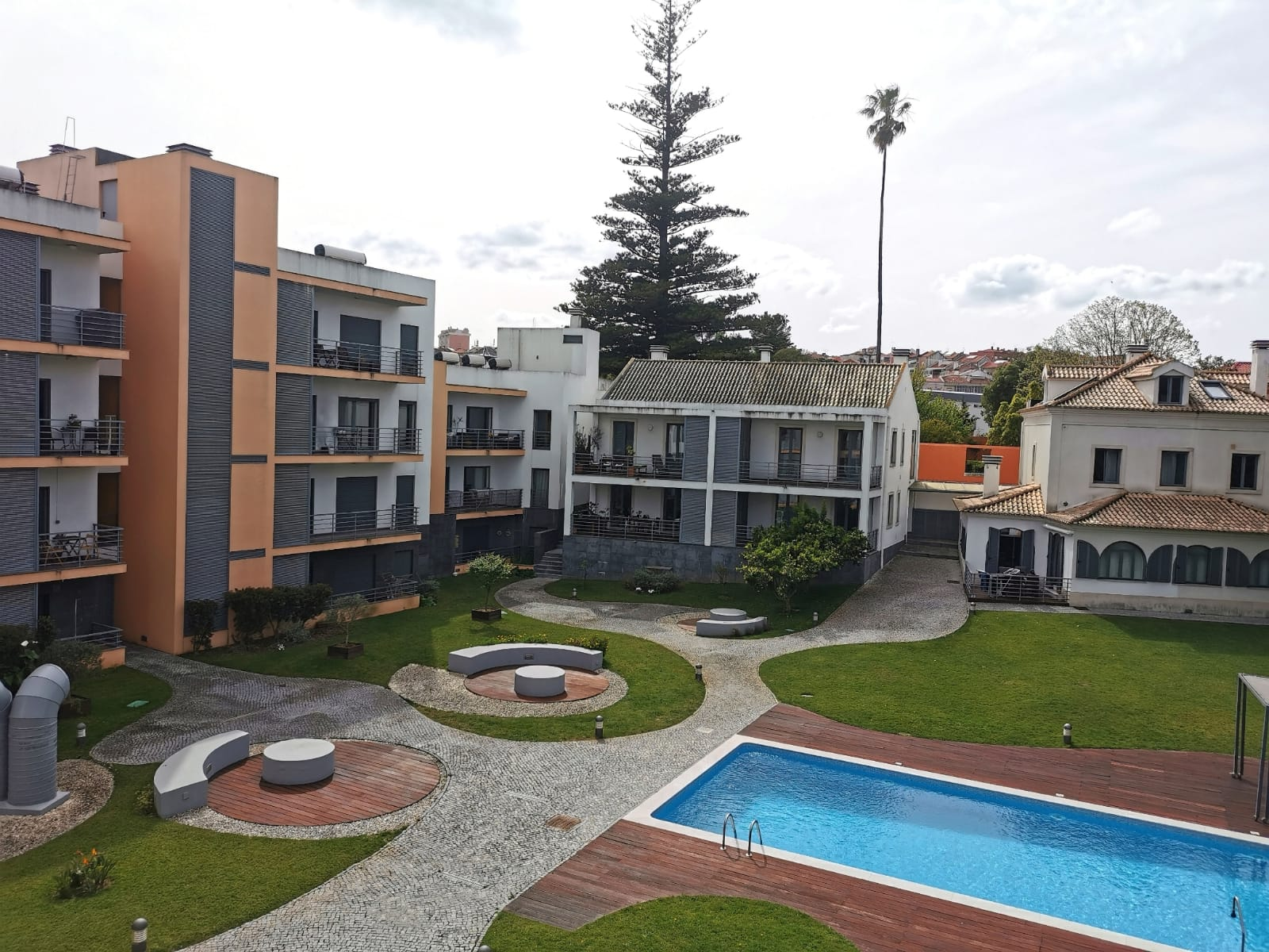 2 Bedroom Apartment in a Private Condominium with Swimming Pool in Benfica