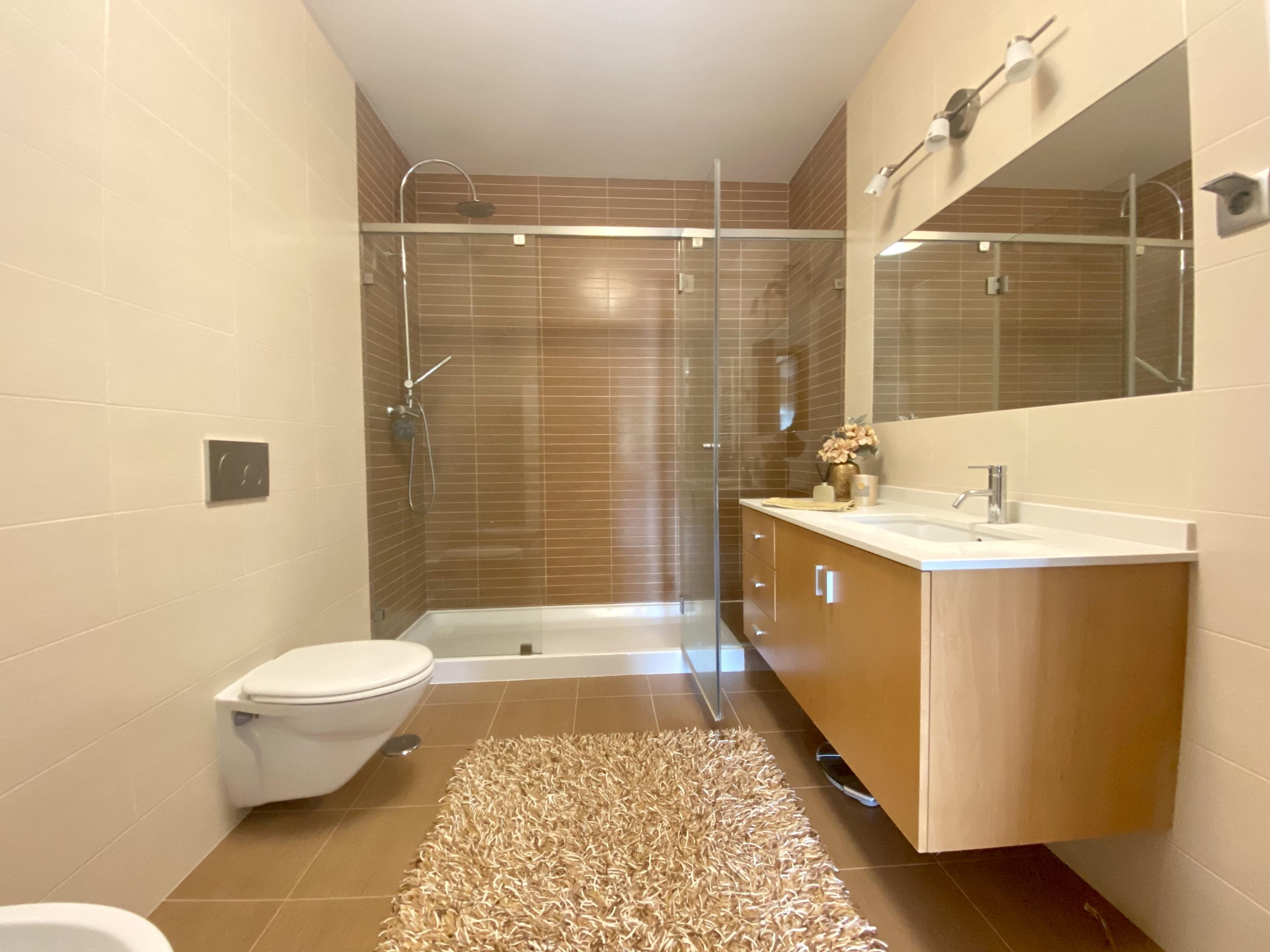 למכירה- וילה, 5 חדרים+בריכה, מטרופולין ליסבון