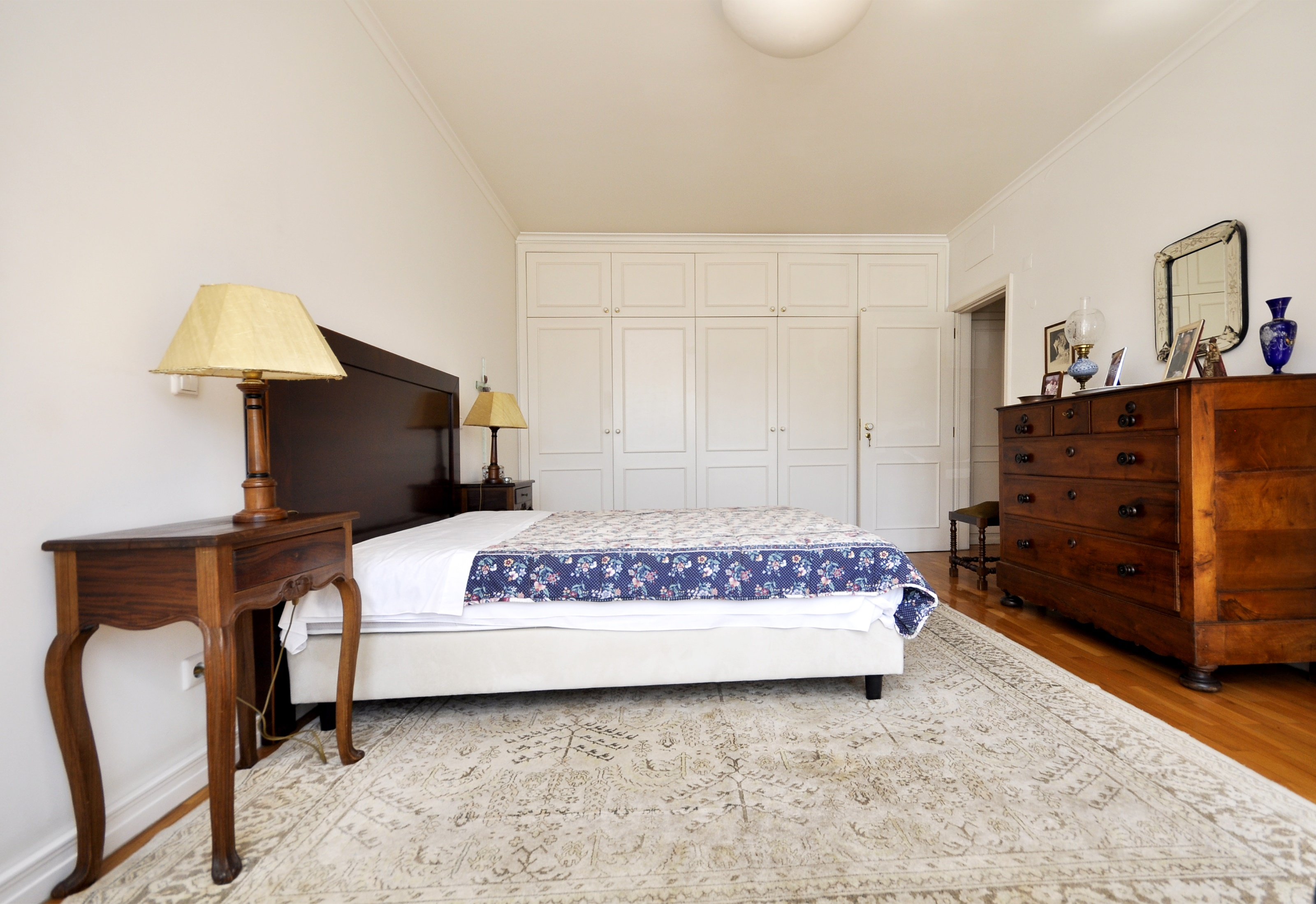 3 bedroom apartment with garage and storage, Estrada da Luz – São Domingos de Benfica