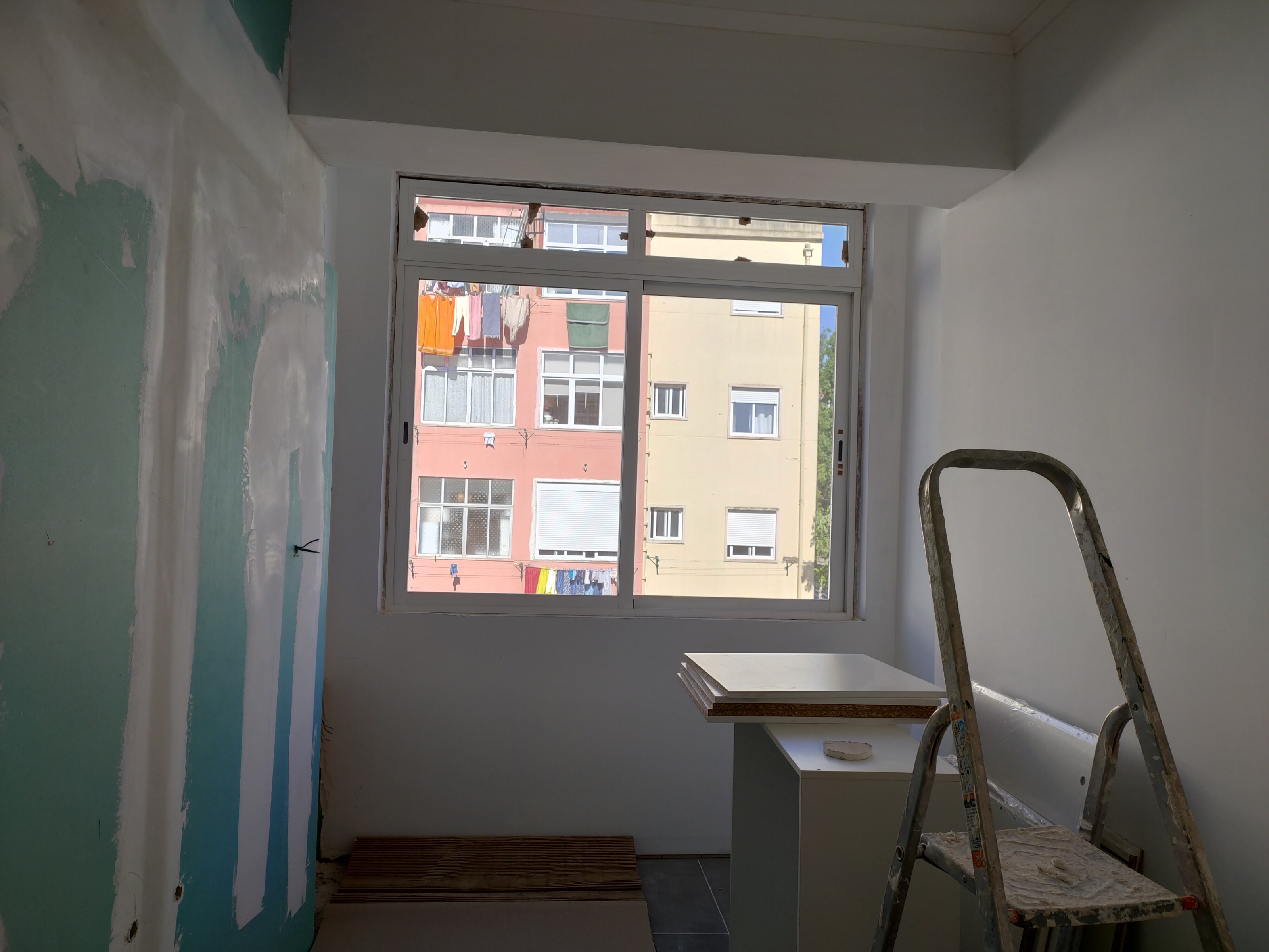Apartment of 3 rooms with balcony