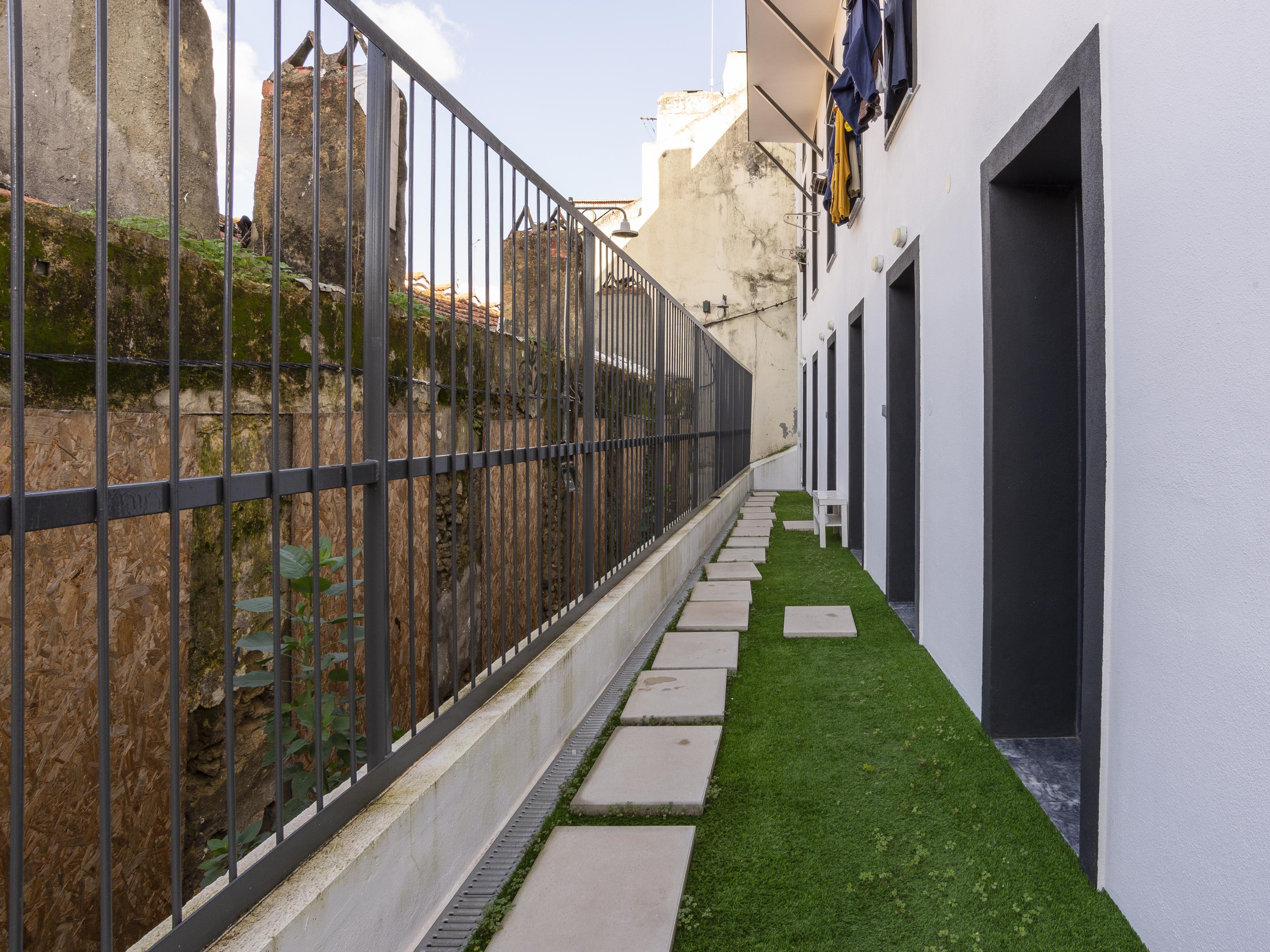 למכירה – דירת סטודיו משופצת, ליסבון