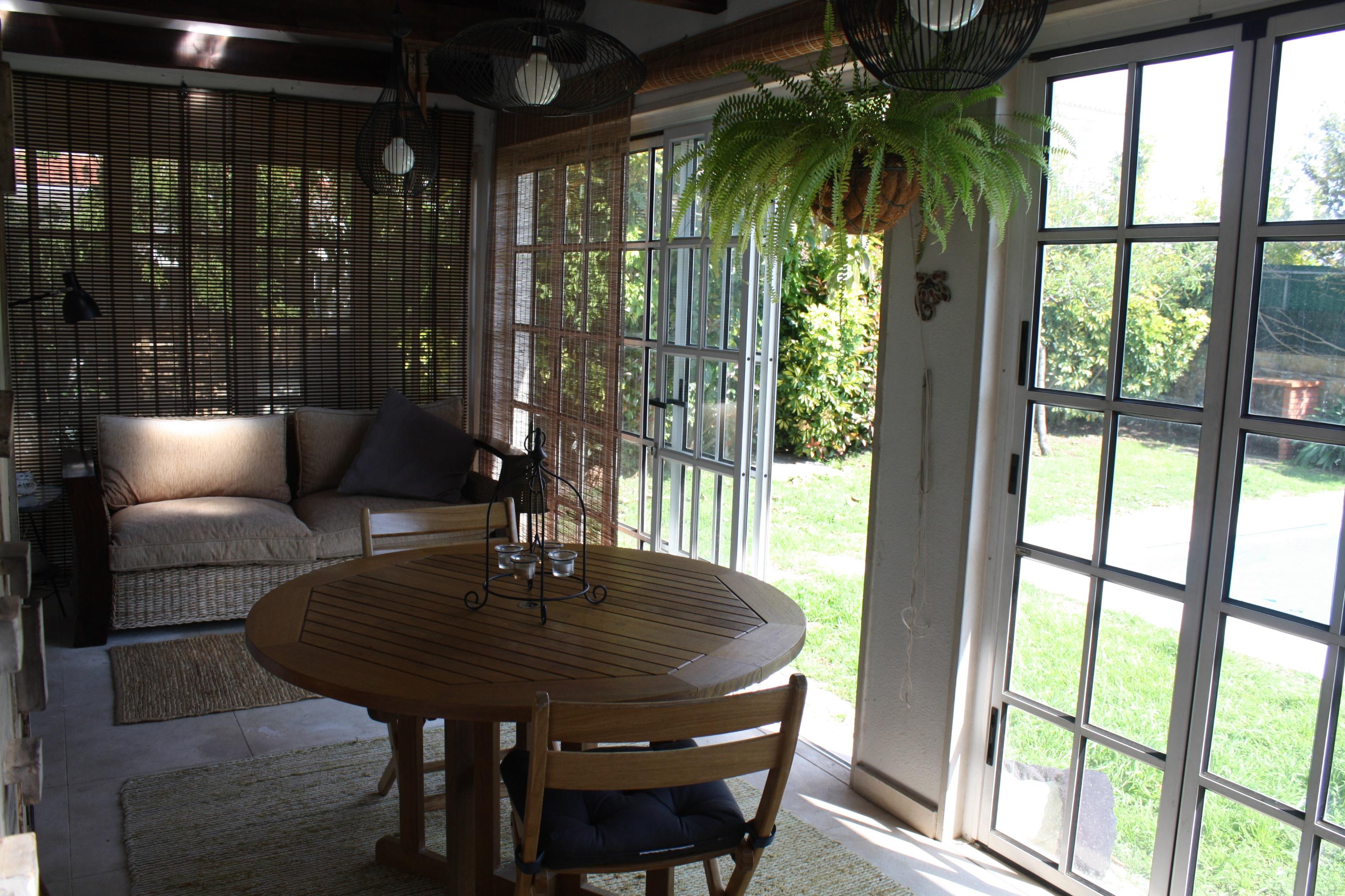 House T4, Swimming Pool, Winter Garden, Porch, Queijas