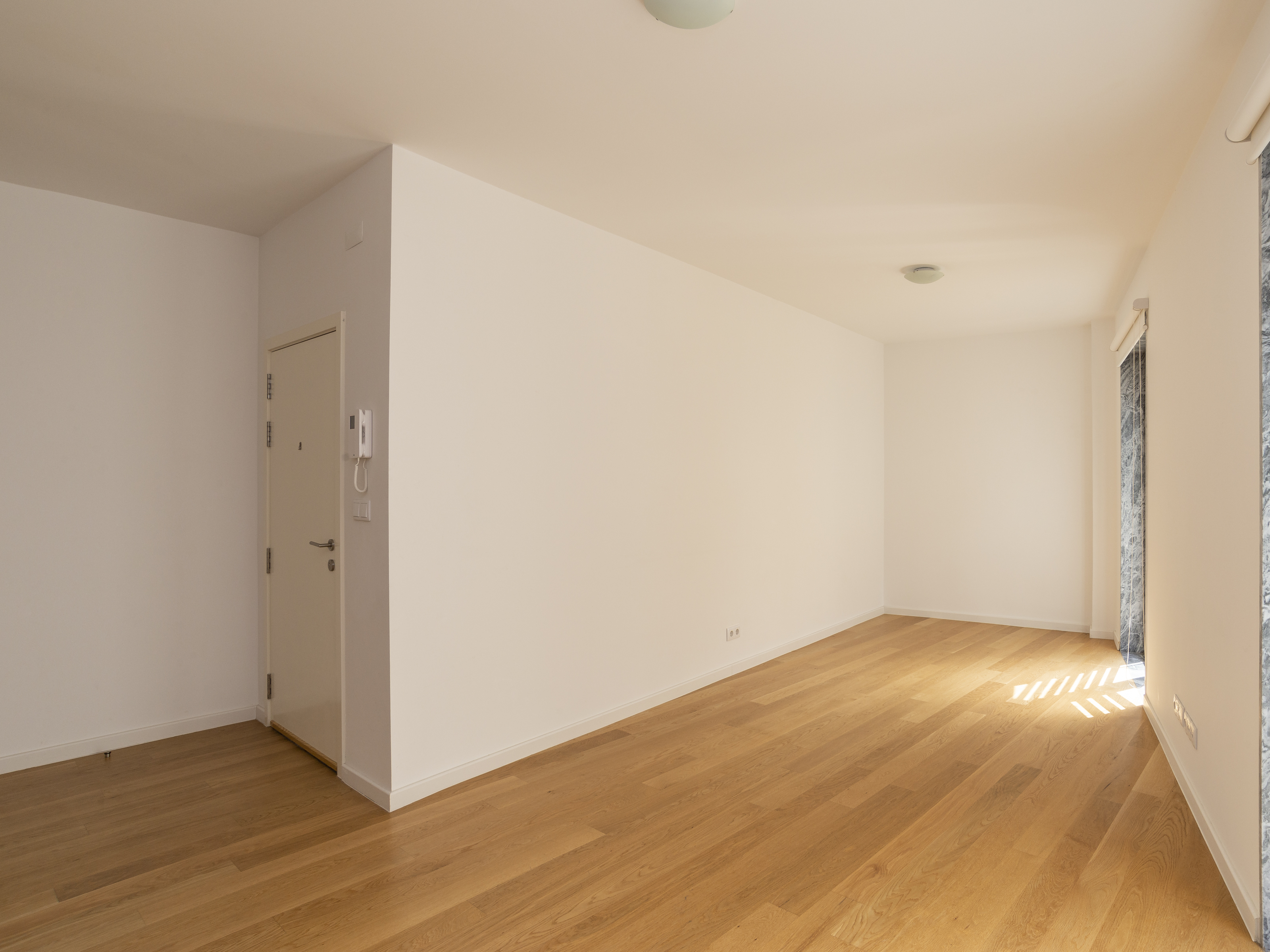 Rental Apartment T2 with Parking Place, Equipped Kitchen