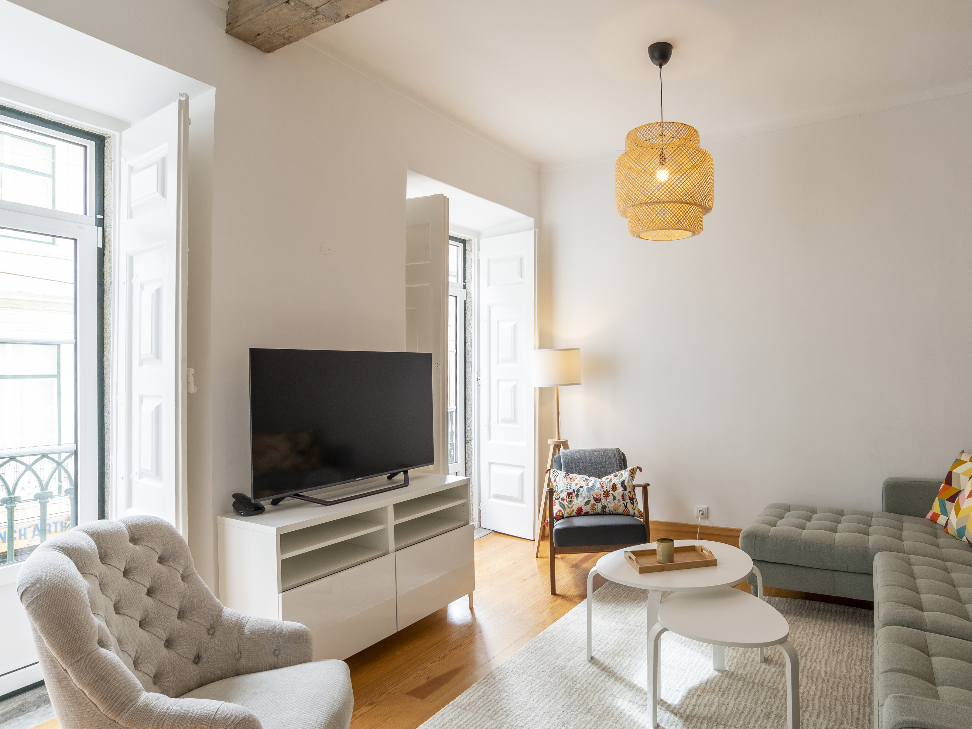 Apartment rental T2 Furnished and equipped – São Bento, Lisbon