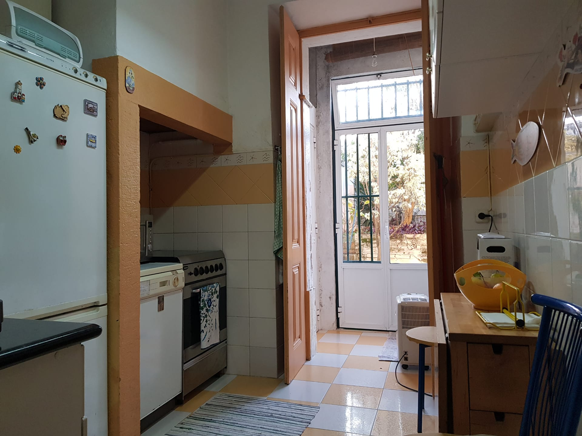 Apartment T2 +2 next to Saldanha with Patio