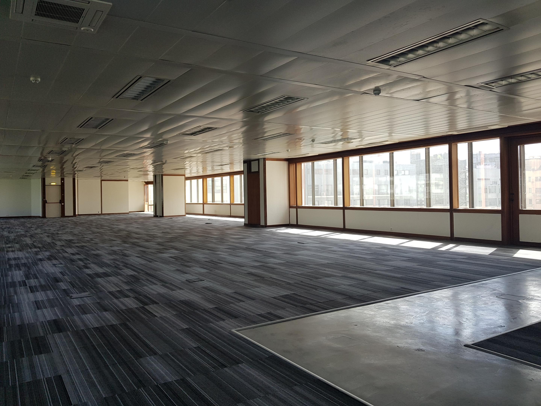 Used OfficePractice in Av. da República (Nossa Senhora de Fátima) – 584 m²