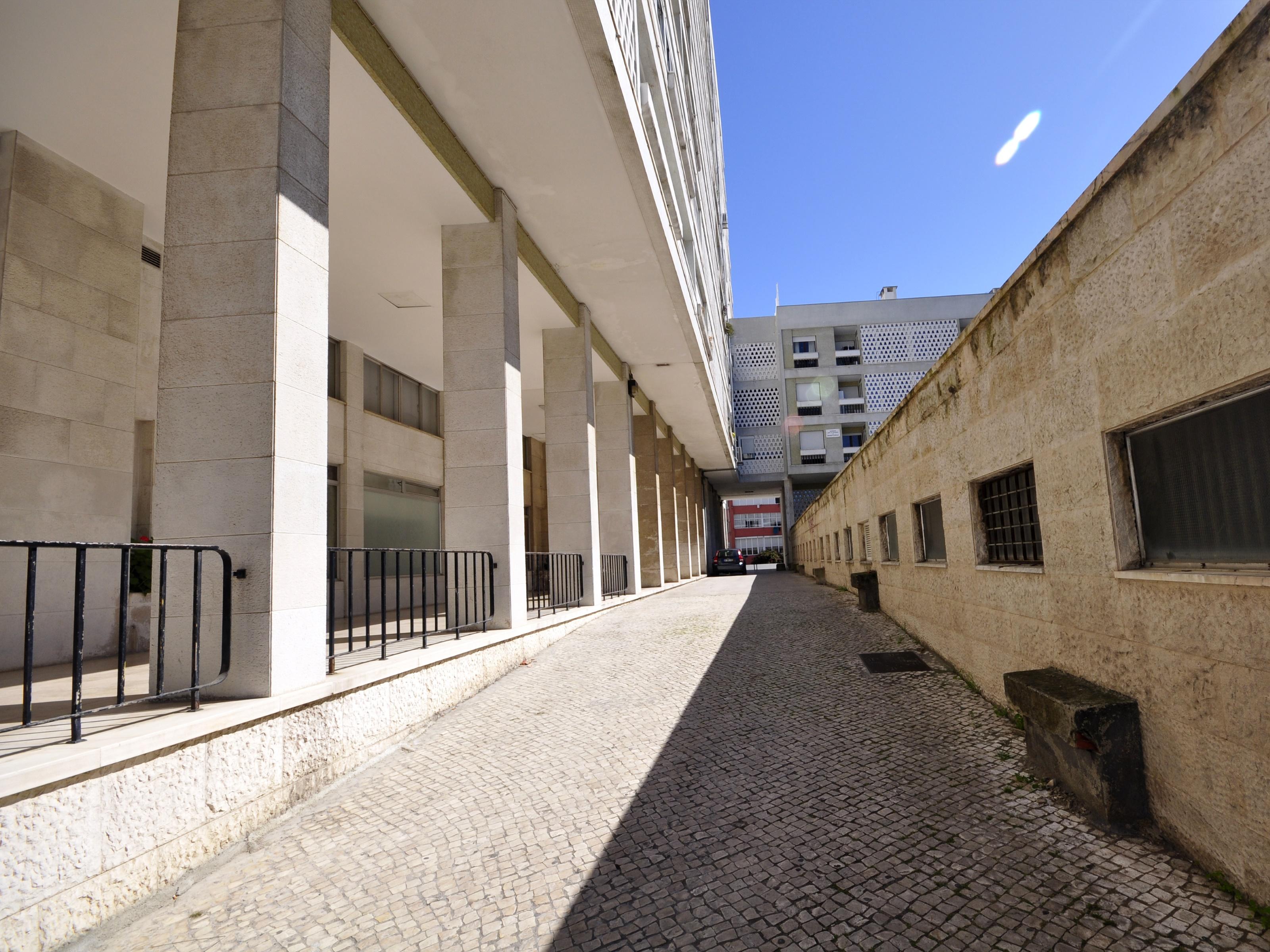 Used Apartment in Av. EUA (Alvalade) – 145 m²