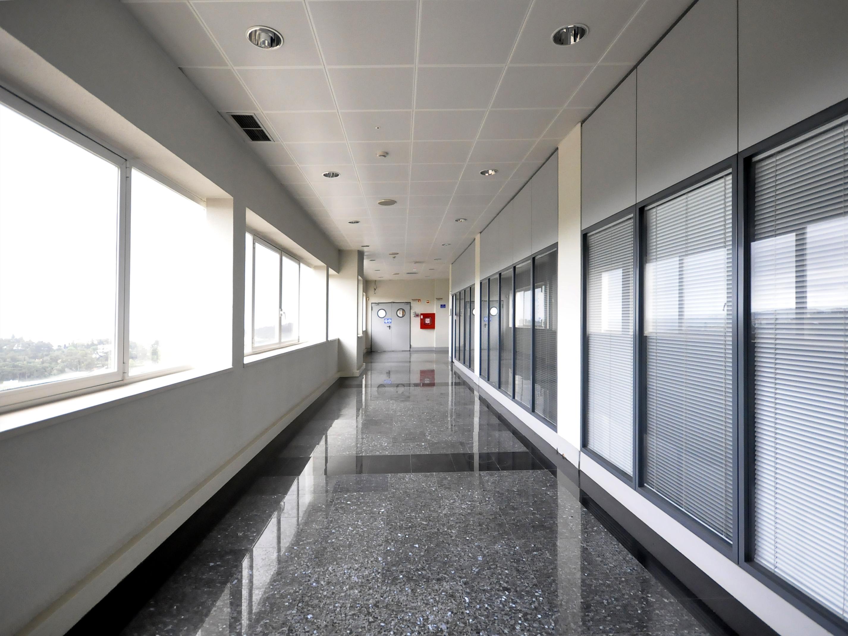 Used Commercialcomplex in Linda-a-Pastora (Queijas) –