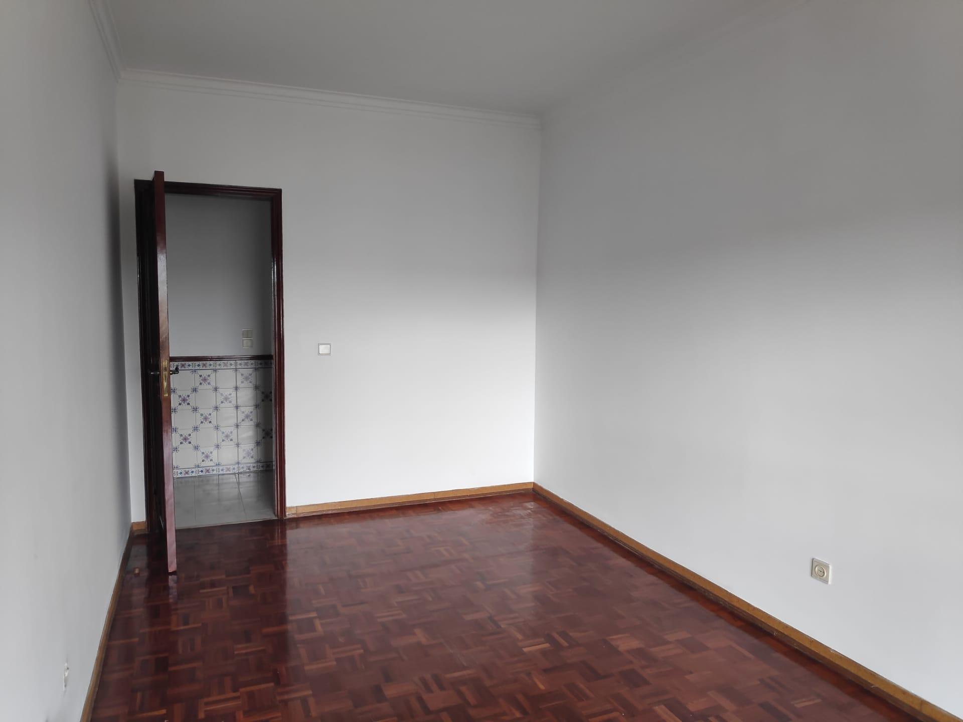 למכירה- דירת 3 חדרים, מטרופולין ליסבון