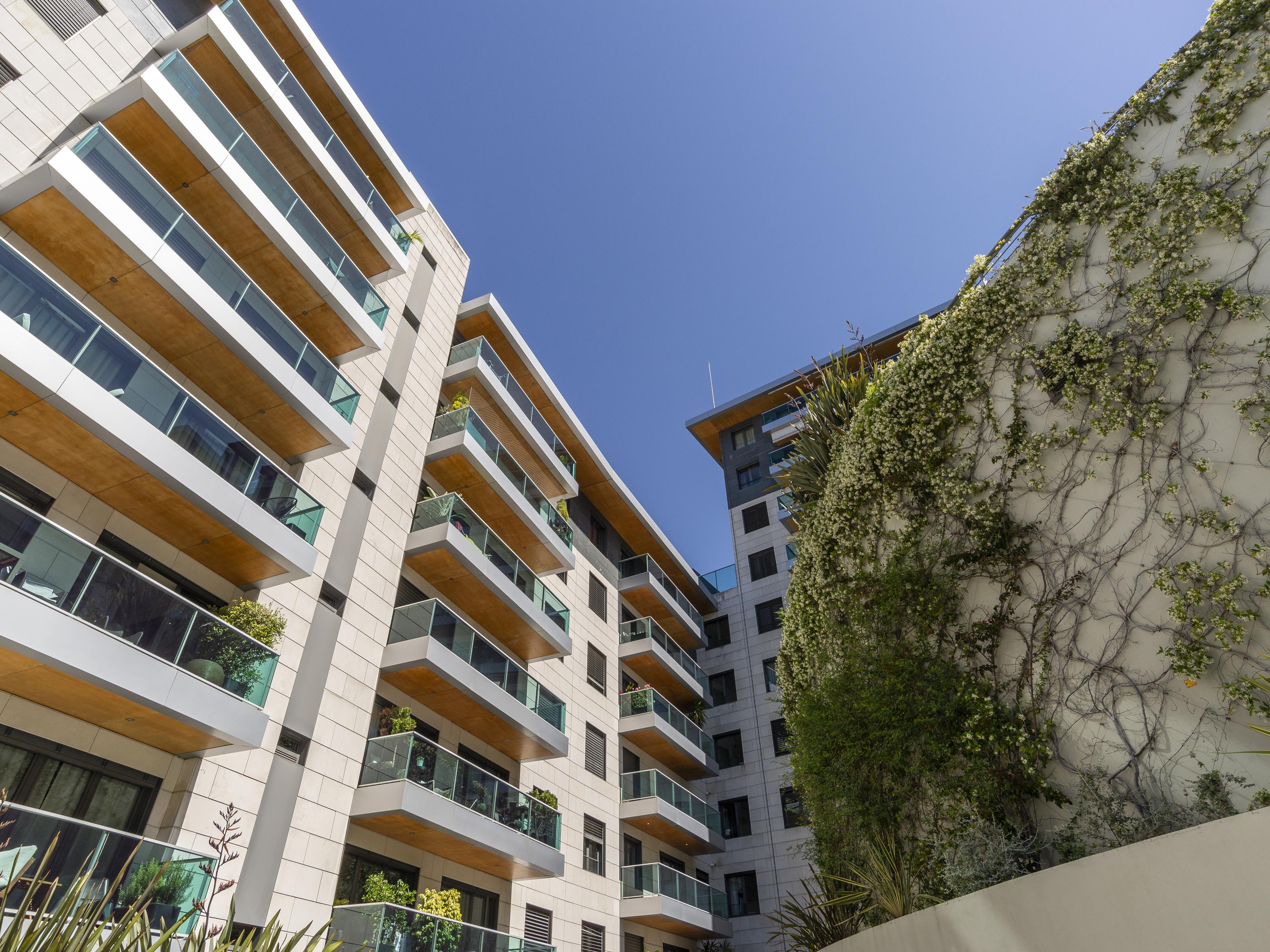 Used Apartment in Av. Infante Santo (Lapa) – 101 m²