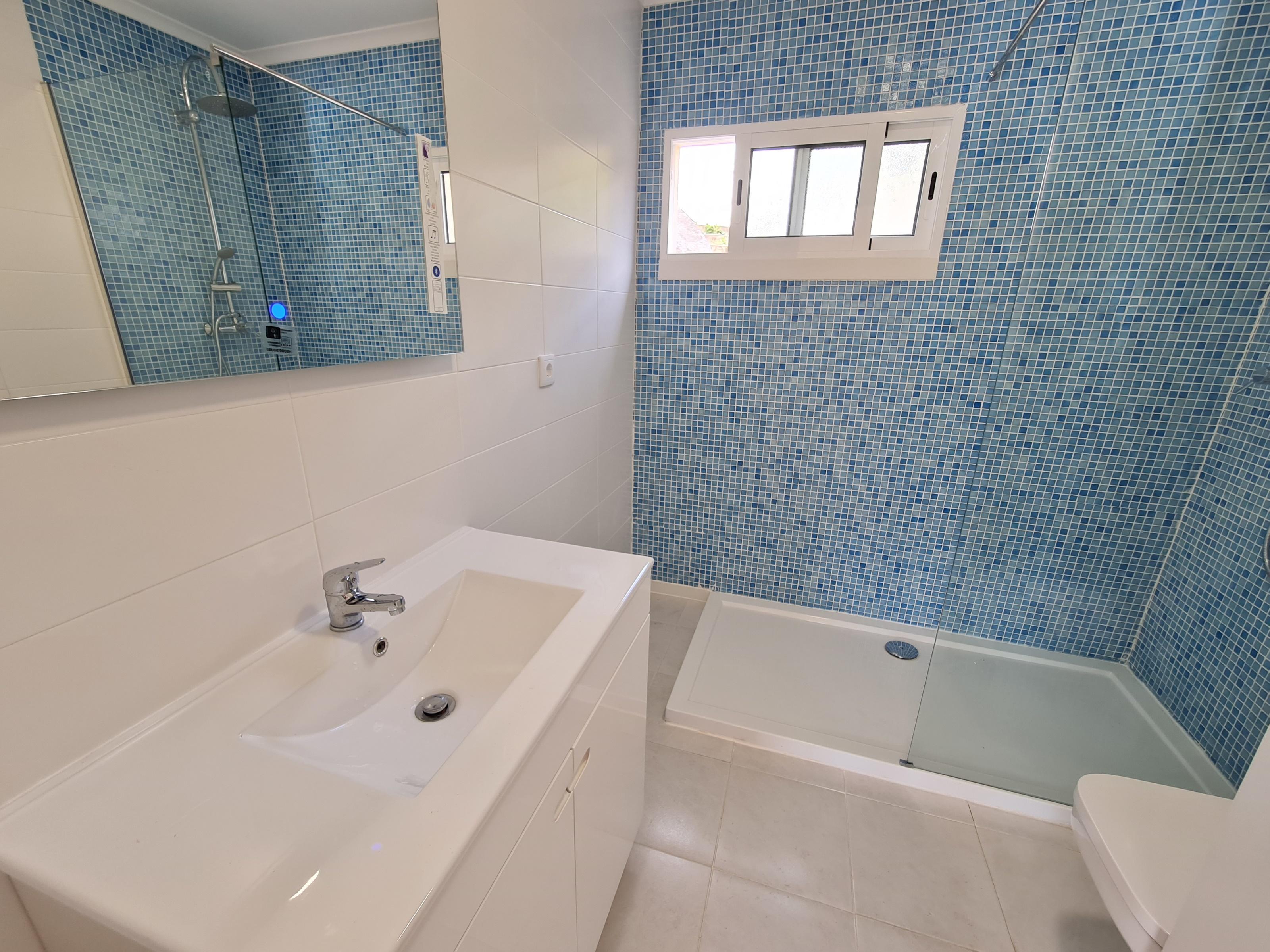 Refurbished Apartment in Amoreira – 64 m²