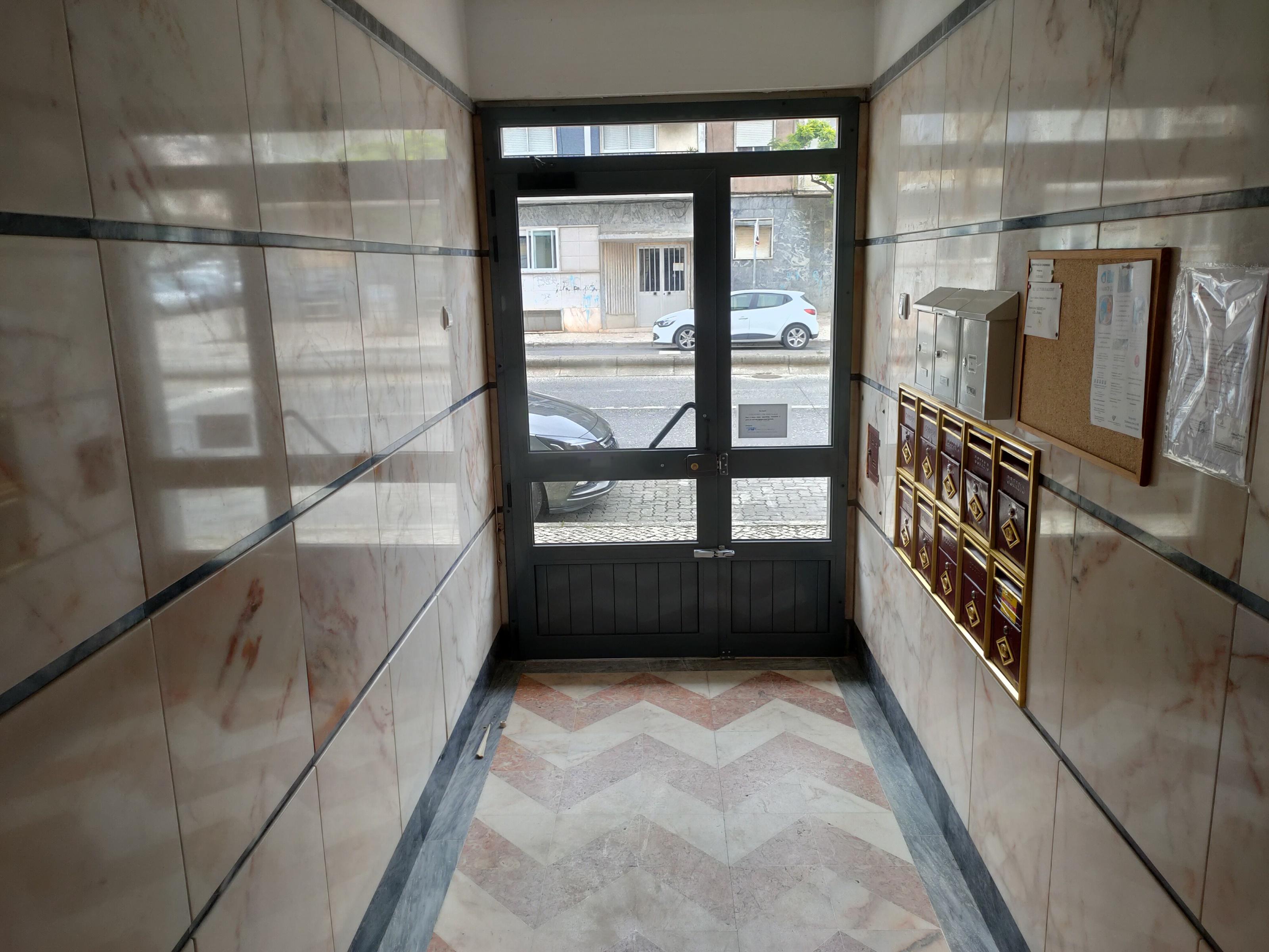 Remodelled Apartment in Bairro da Mina (Mina) – 60 m²