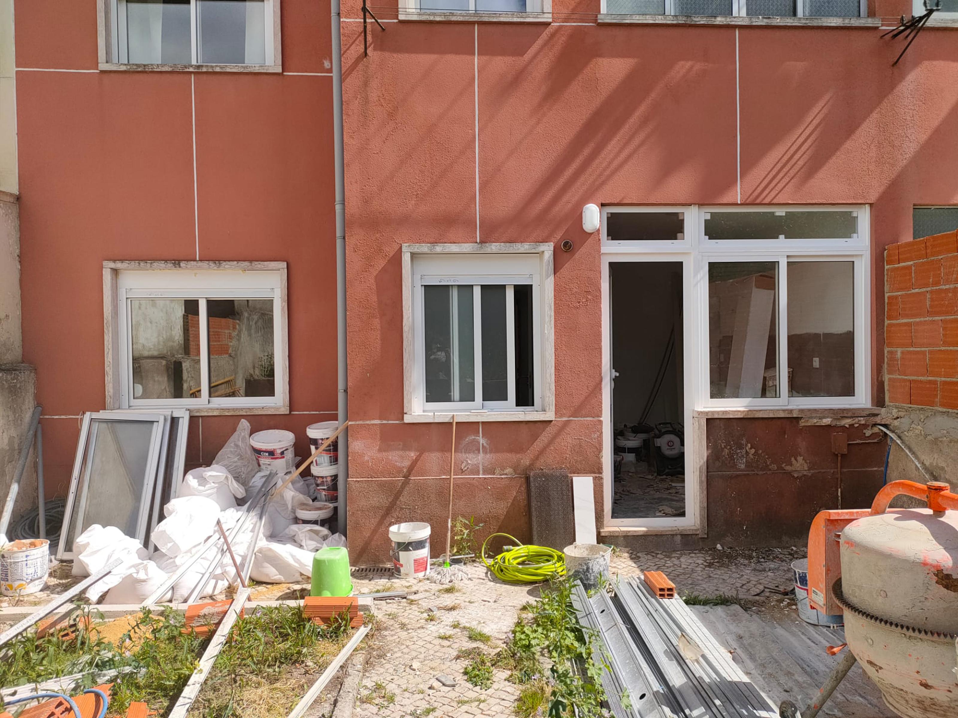 דירת 3 חדרים+חצר, מטרופולין ליסבון